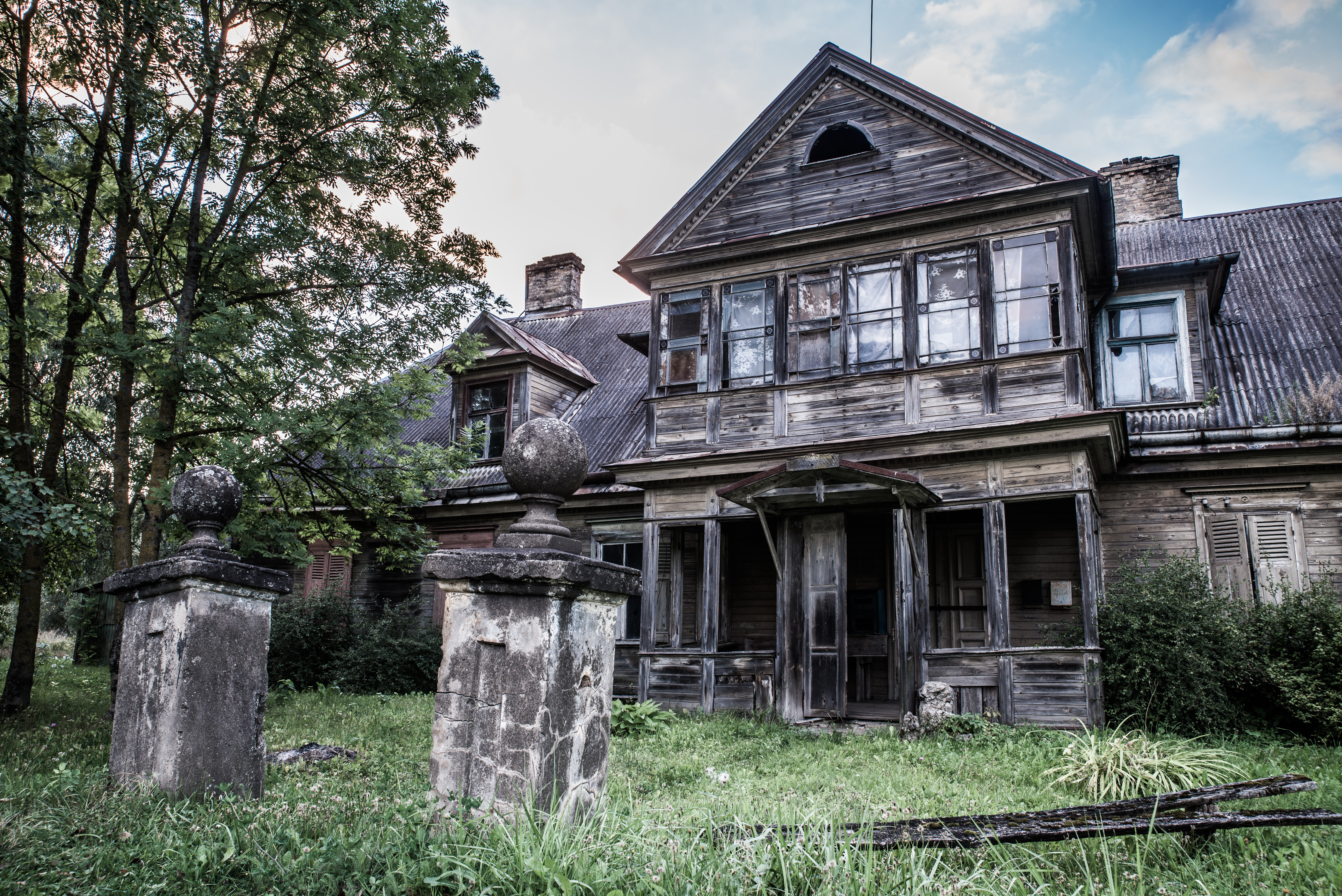 A particularly spooky home with gravestones included.