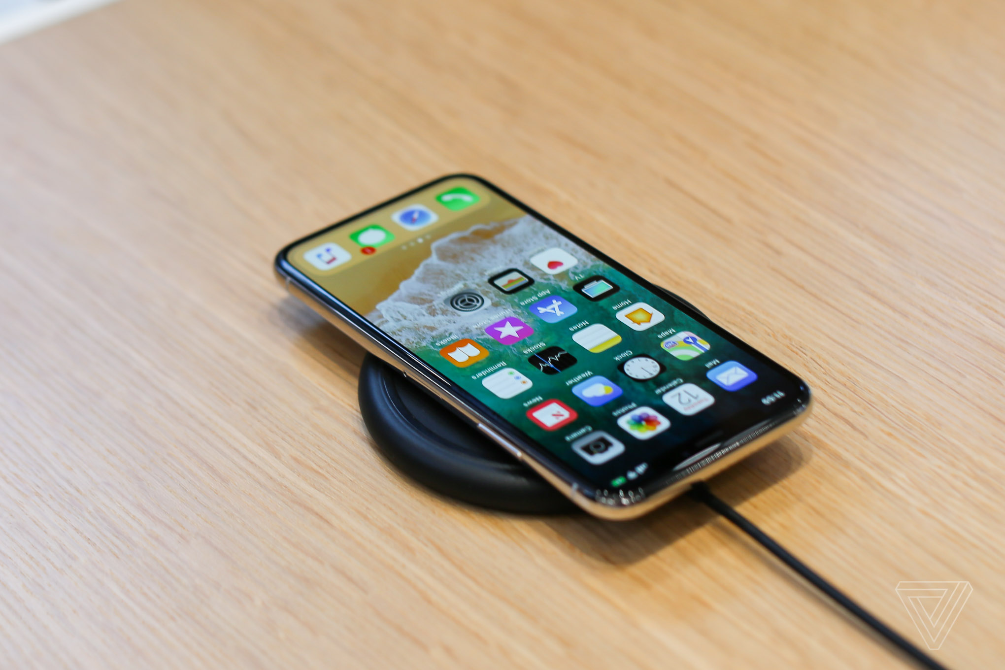 the best attitude f2494 833db Best deals on the iPhone X, Google Pixel 2, Amazon Echo Plus, and ...