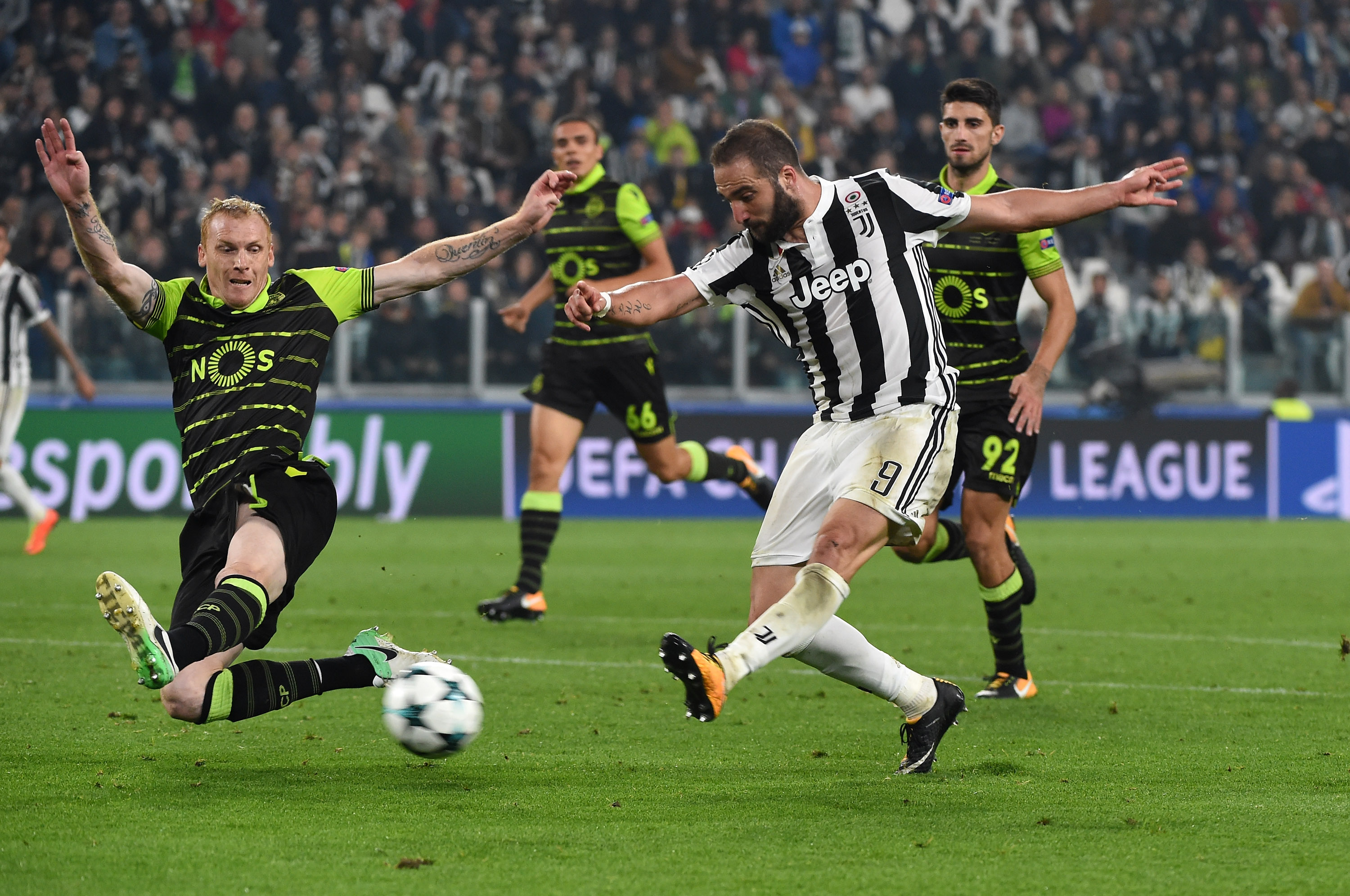 black white read all over a juventus community On juventus in champions league