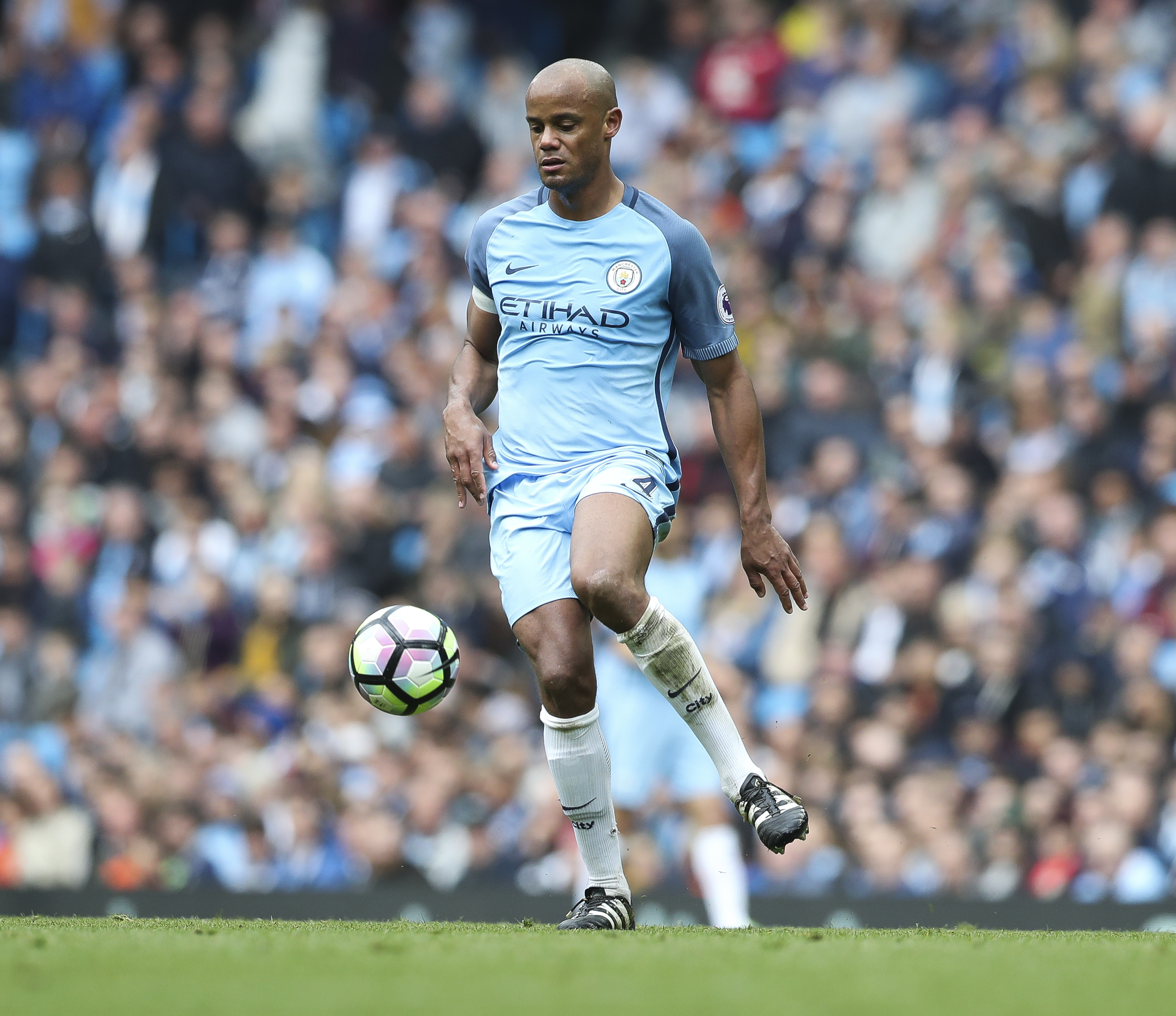 Spotlight Vincent Kompany The Most Annoying Fantasy Player In The