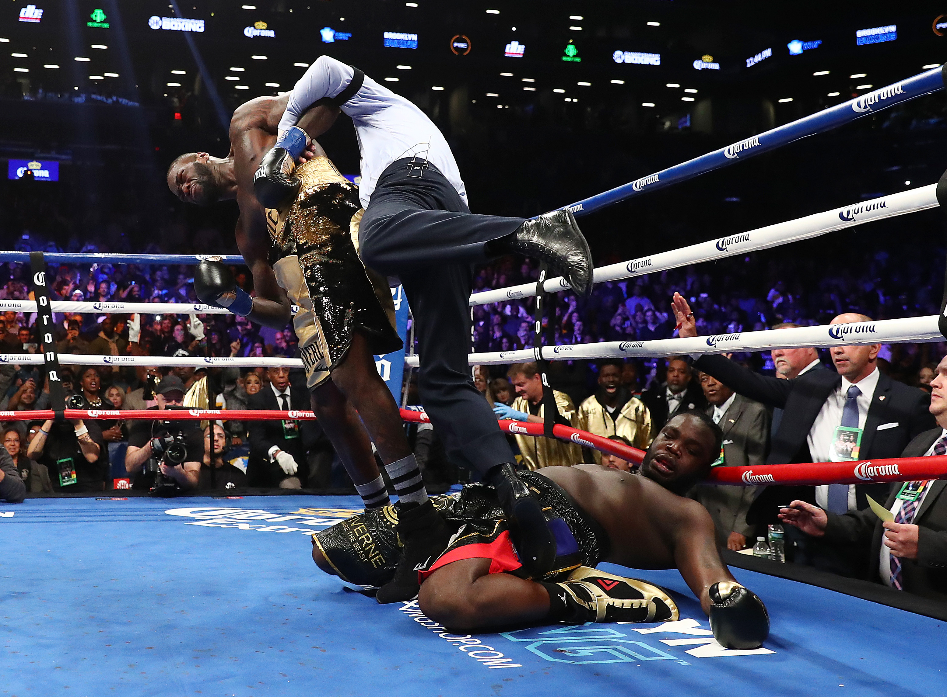 bad left hook global boxing news and commentary