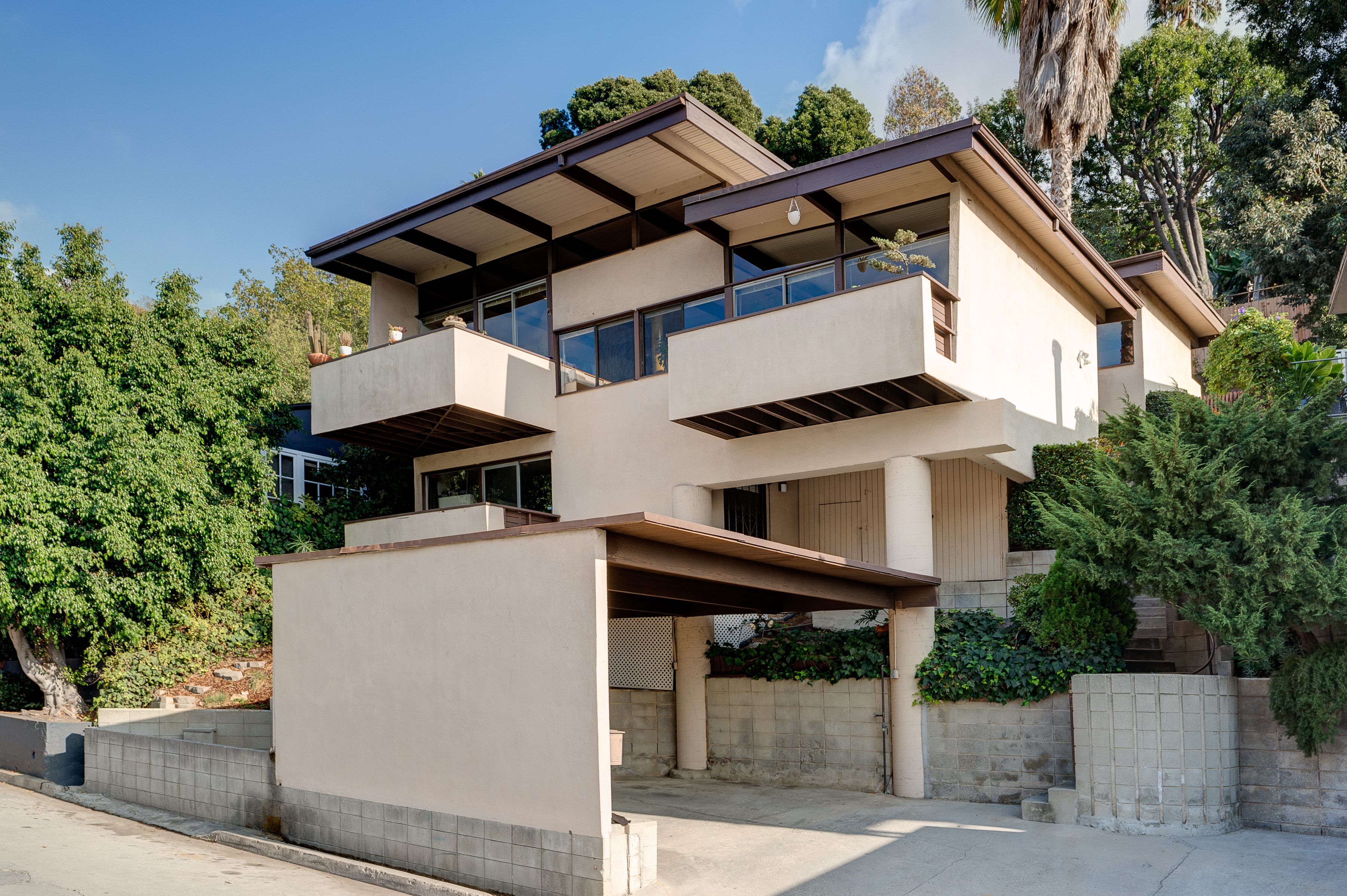 Modern homes los angeles brentwood untouched 1960 mid century modern - Stacked 1960 Post And Beam In Silver Lake Asks 1 8m