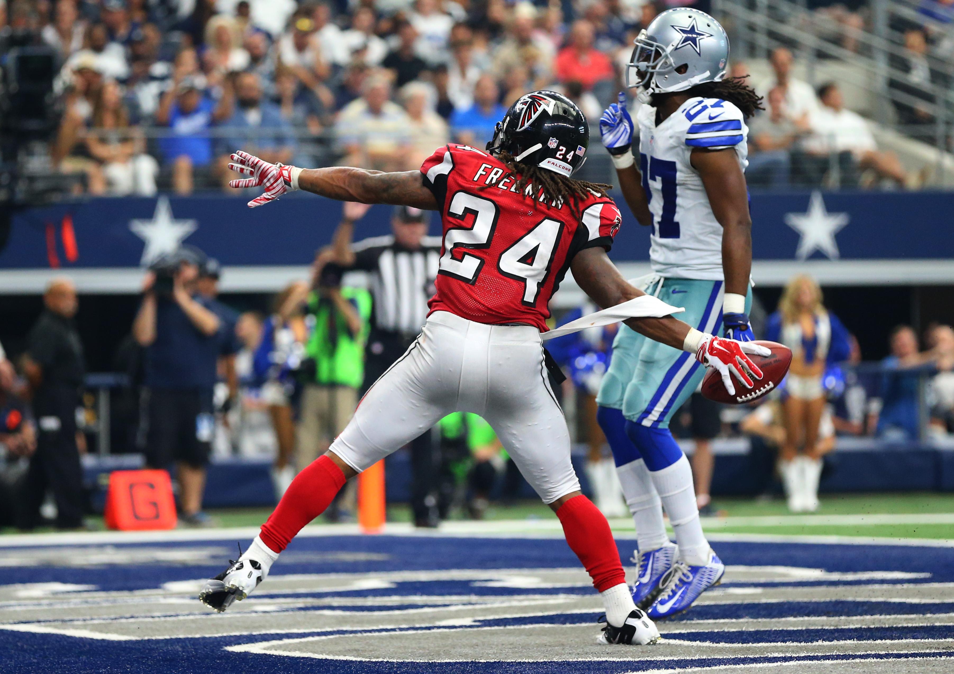 Atlanta Falcons v Dallas Cowboys