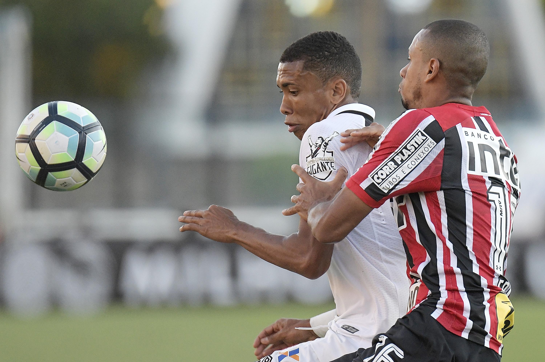 Vasco da Gama v Sao Paulo - Brasileirao Series A 2017
