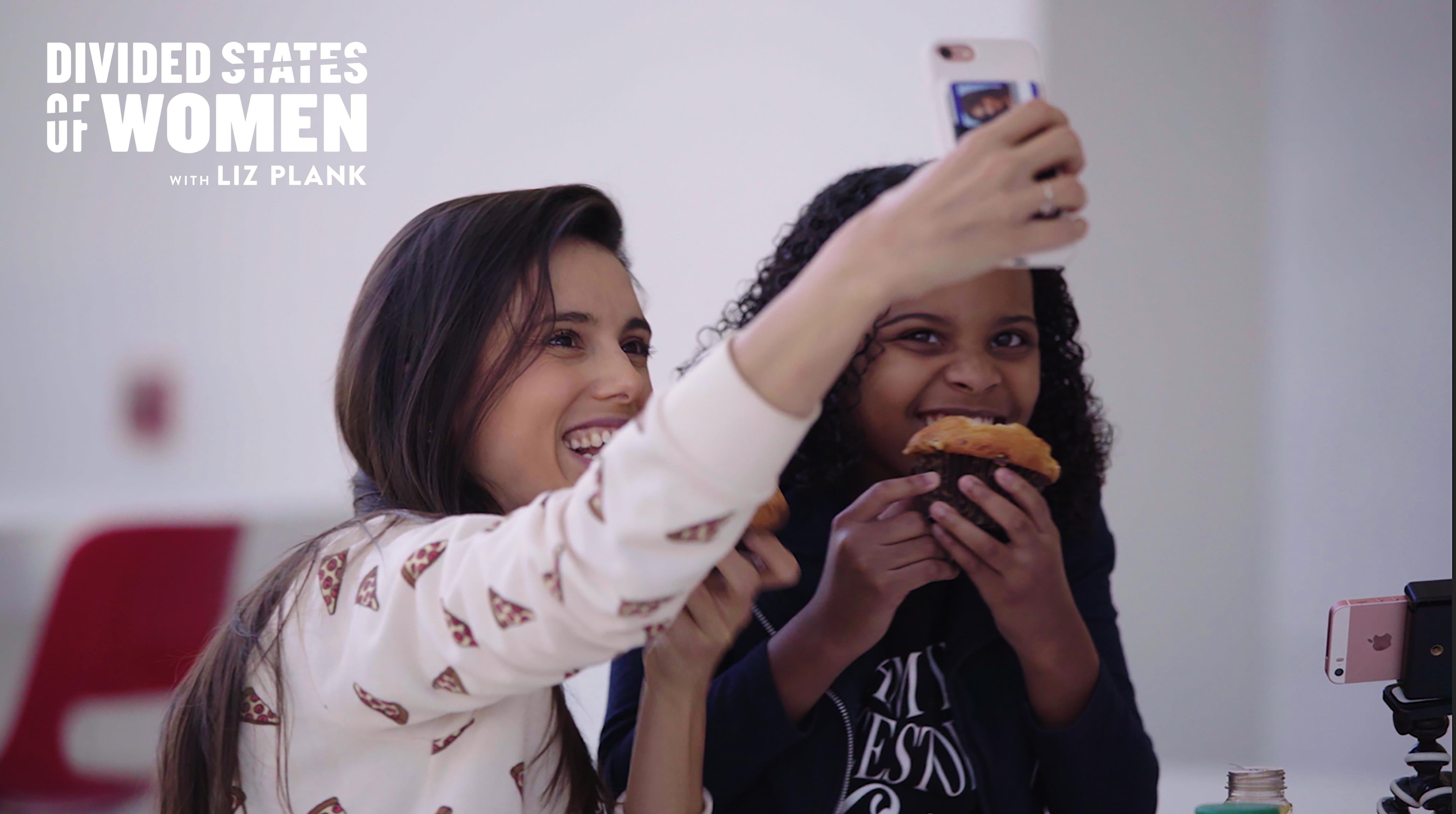 Mari Copeny (Little Miss Flint) and Liz Plank take a selfie together