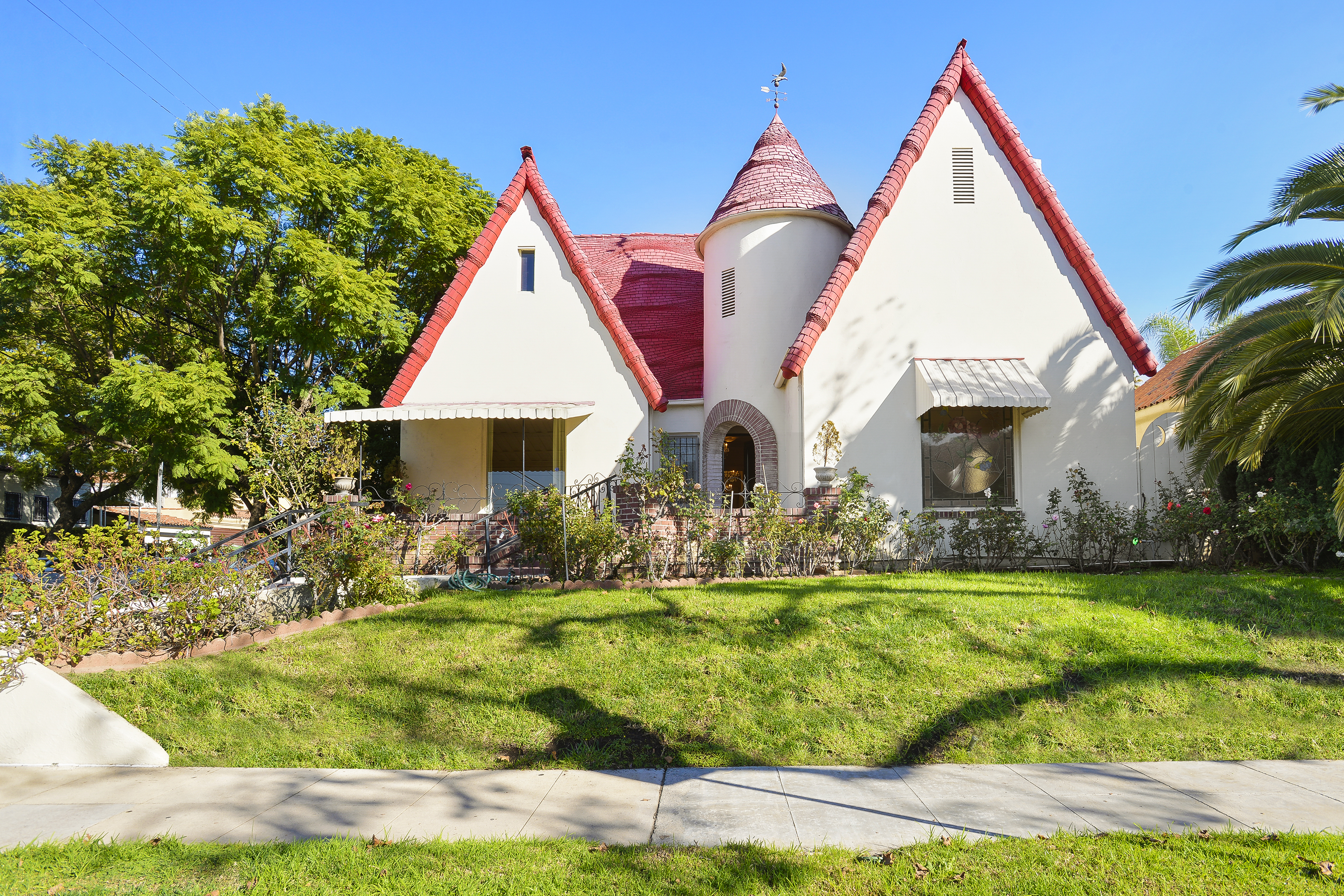 Designer deals club for hancock - Grand Storybook Style House With Period Details Asks 1 6m In Hancock Park