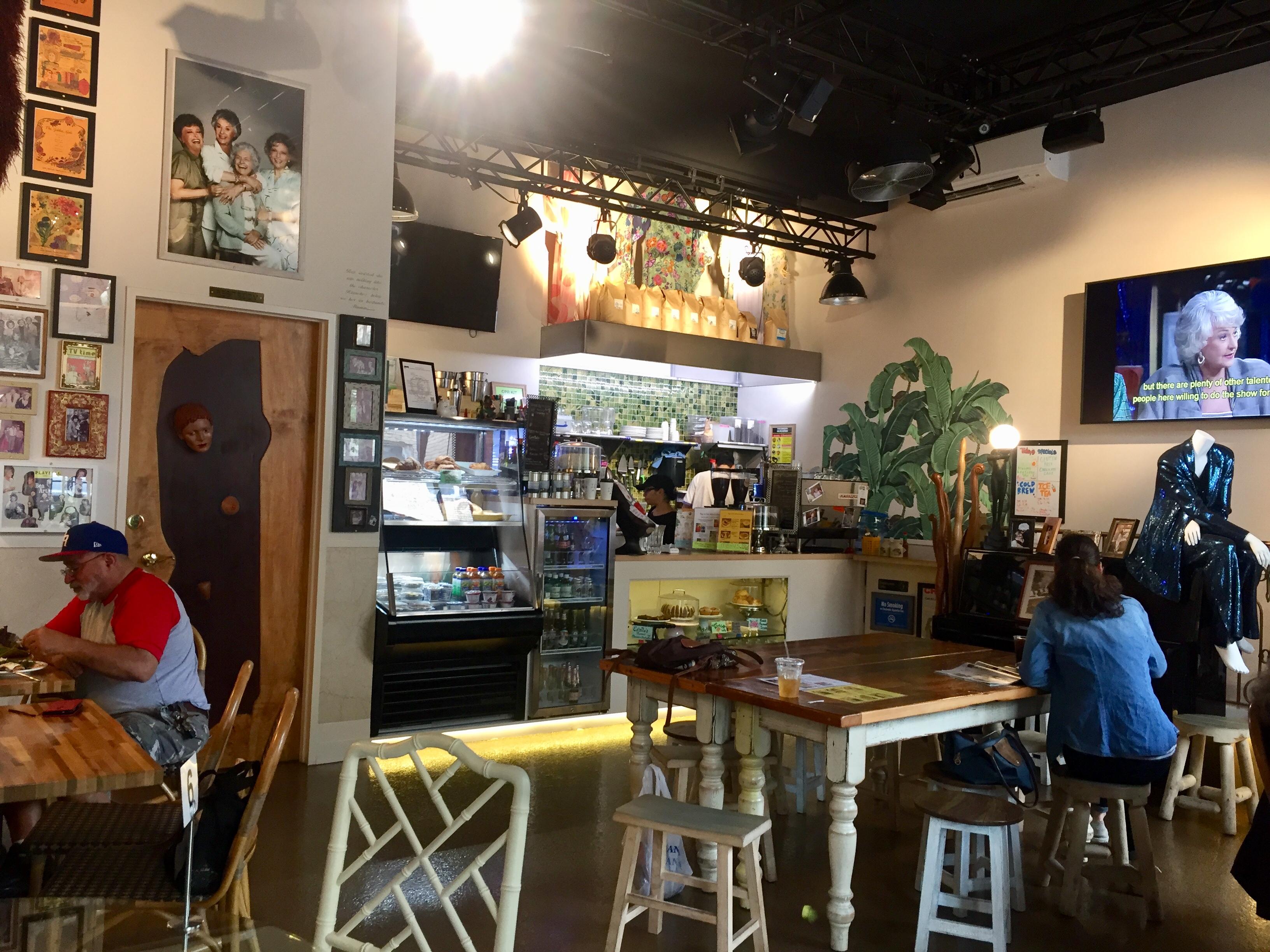 Rue La Rue Cafe