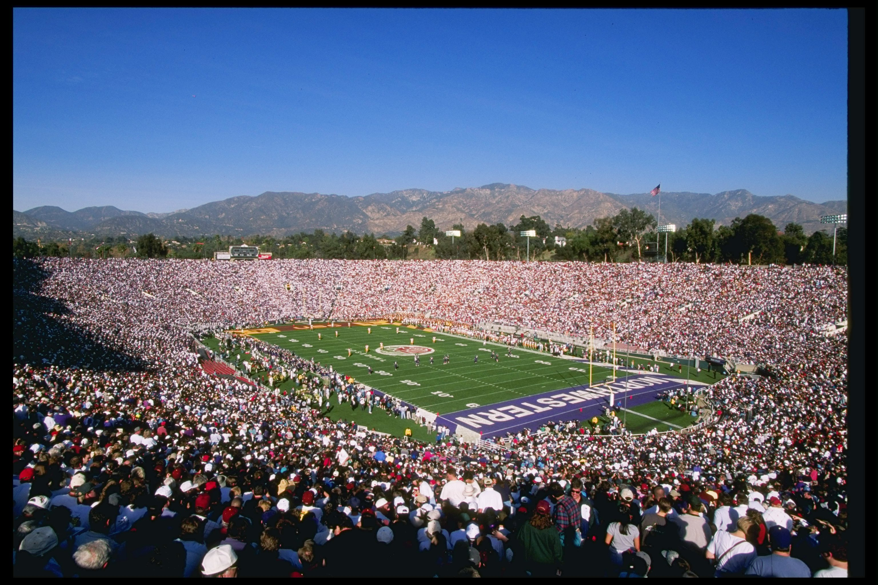 1 Jan 1996:  View of the Rose Bowl between the Northwestern Wildcats and the Southern California Trojans in Pasadena, California.  Southern California won the game 41-32. Mandatory Credit: Jed Jacobsohn  /Allsport