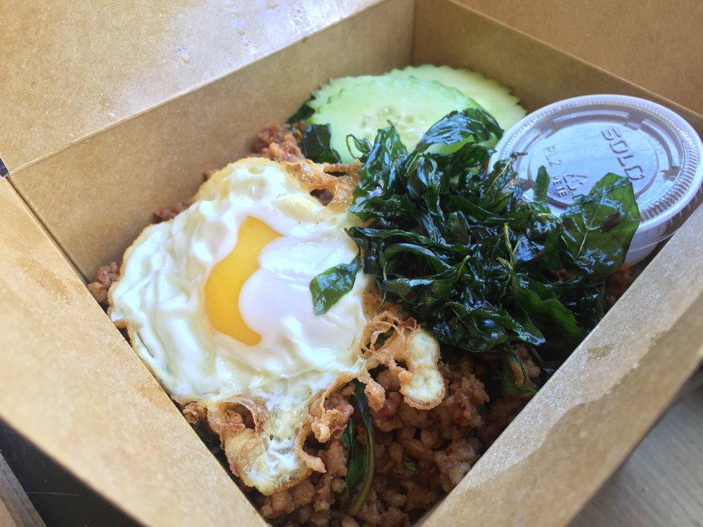 Eater Awards 2016 Food Truck of the Year winner, Dee Dee