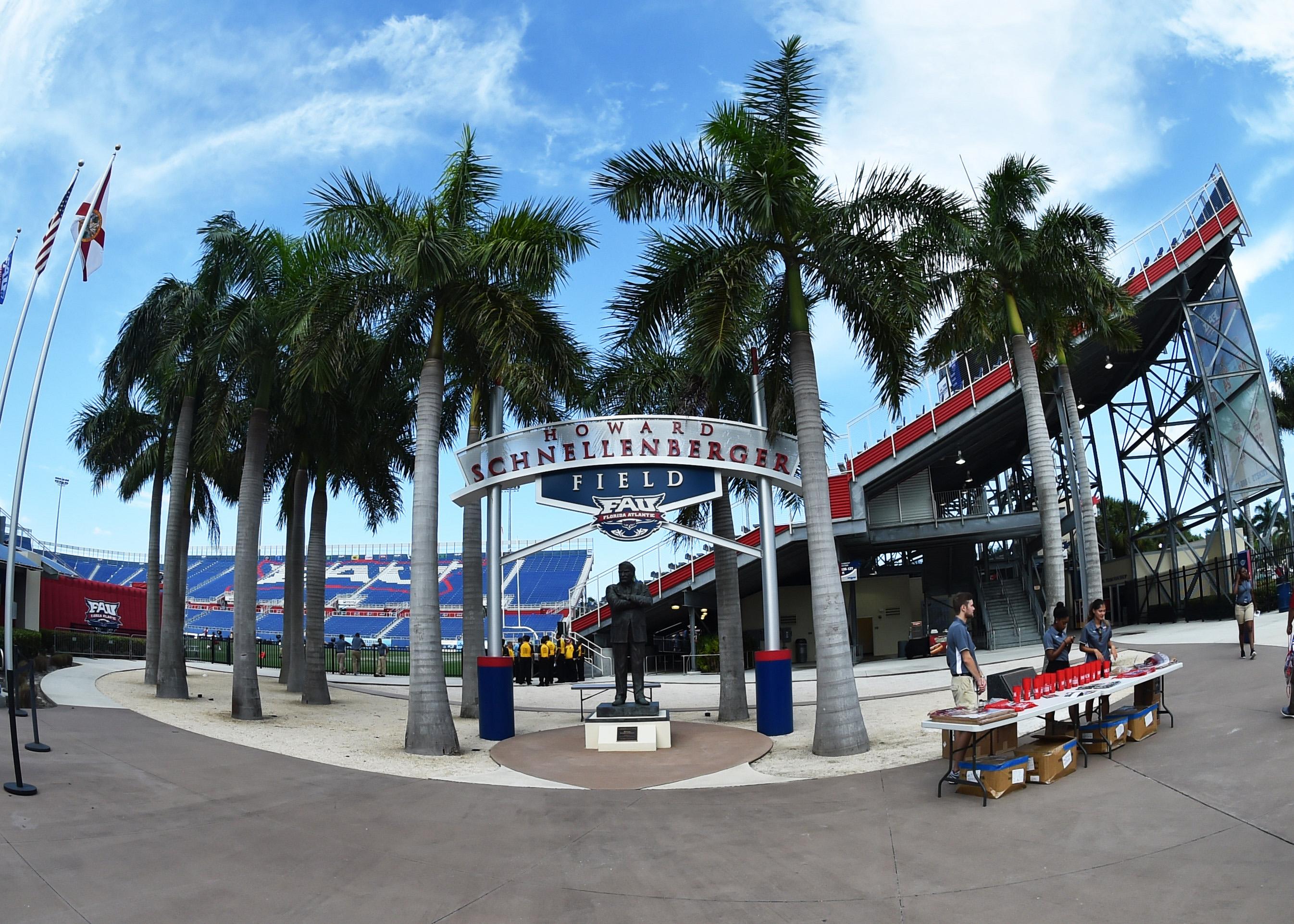 NCAA Football: Southern Illinois at Florida Atlantic