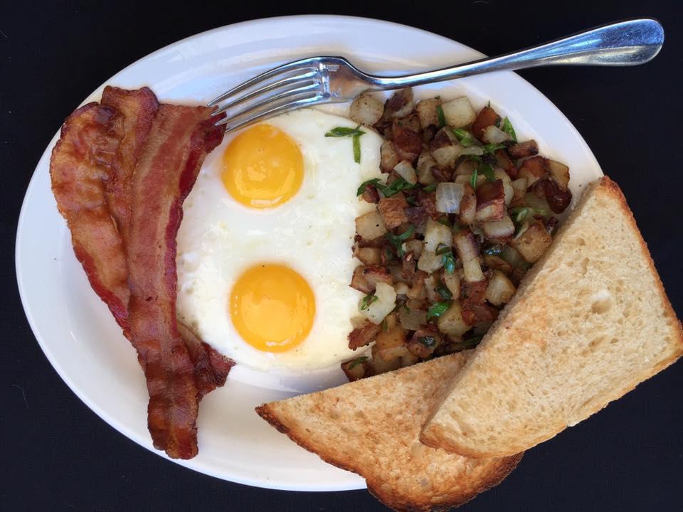 24 Diner's breakfast