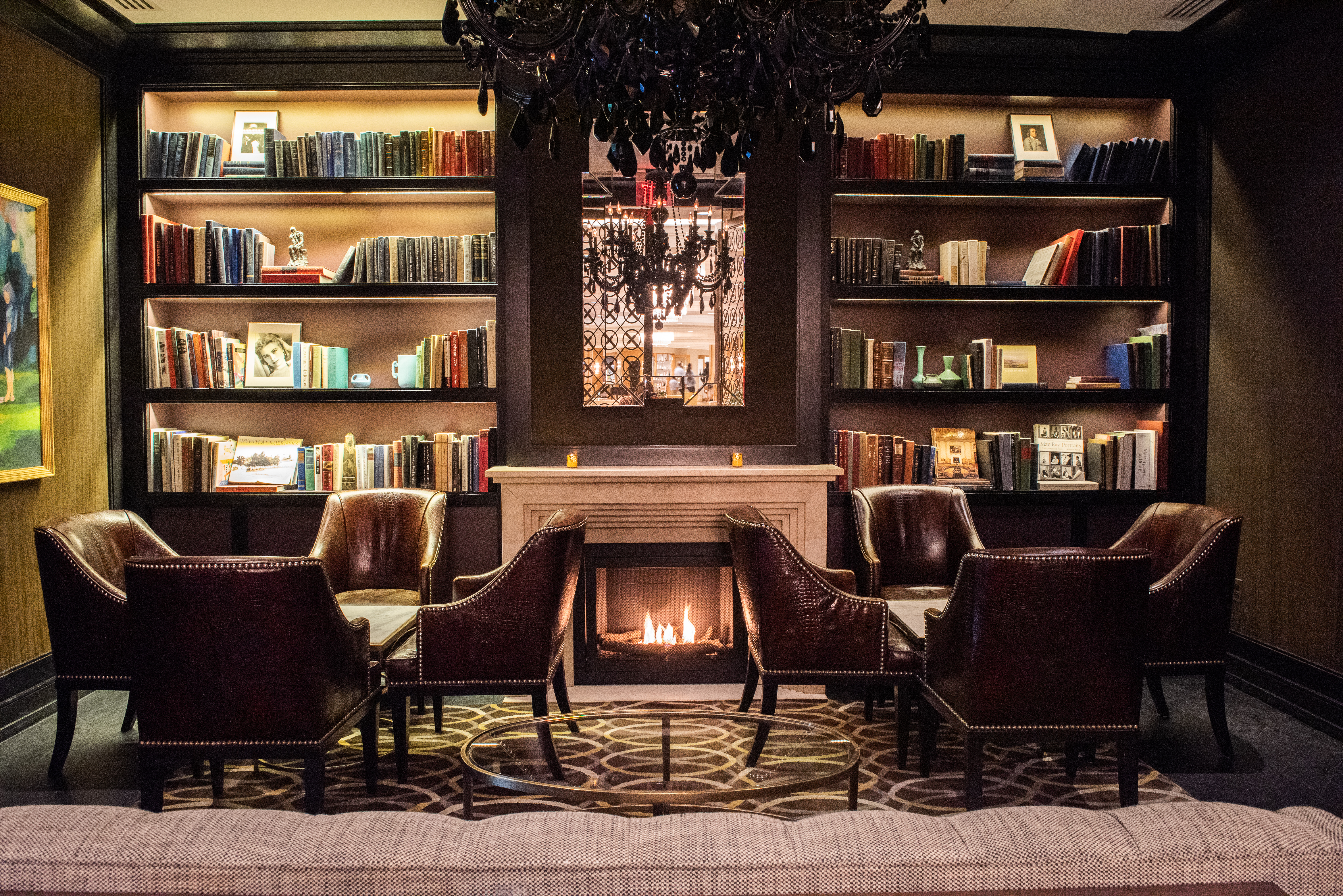 17 Philly Restaurants and Bars With Cozy Fireplaces