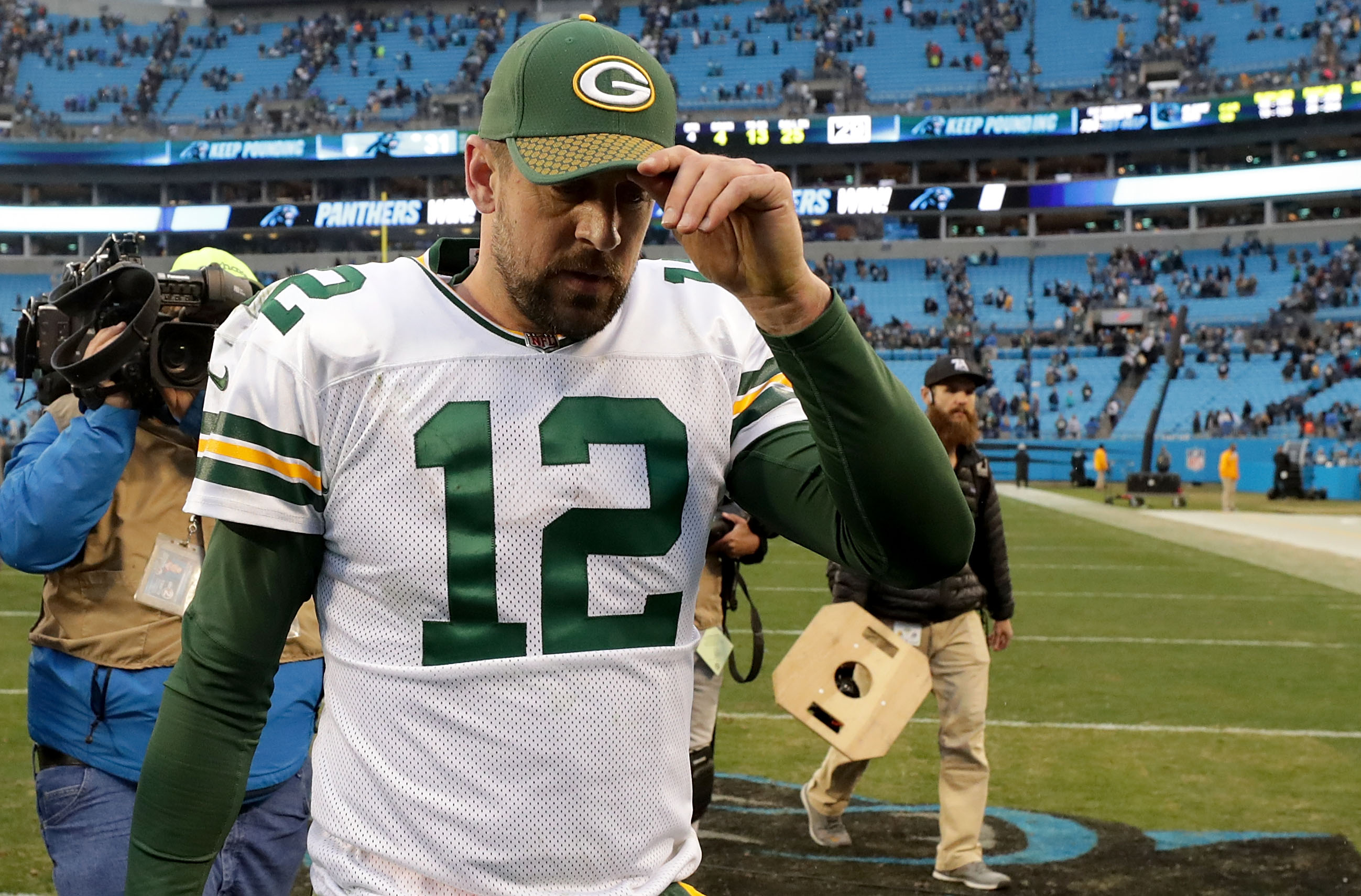 Packers place Aaron Rodgers on injured reserve
