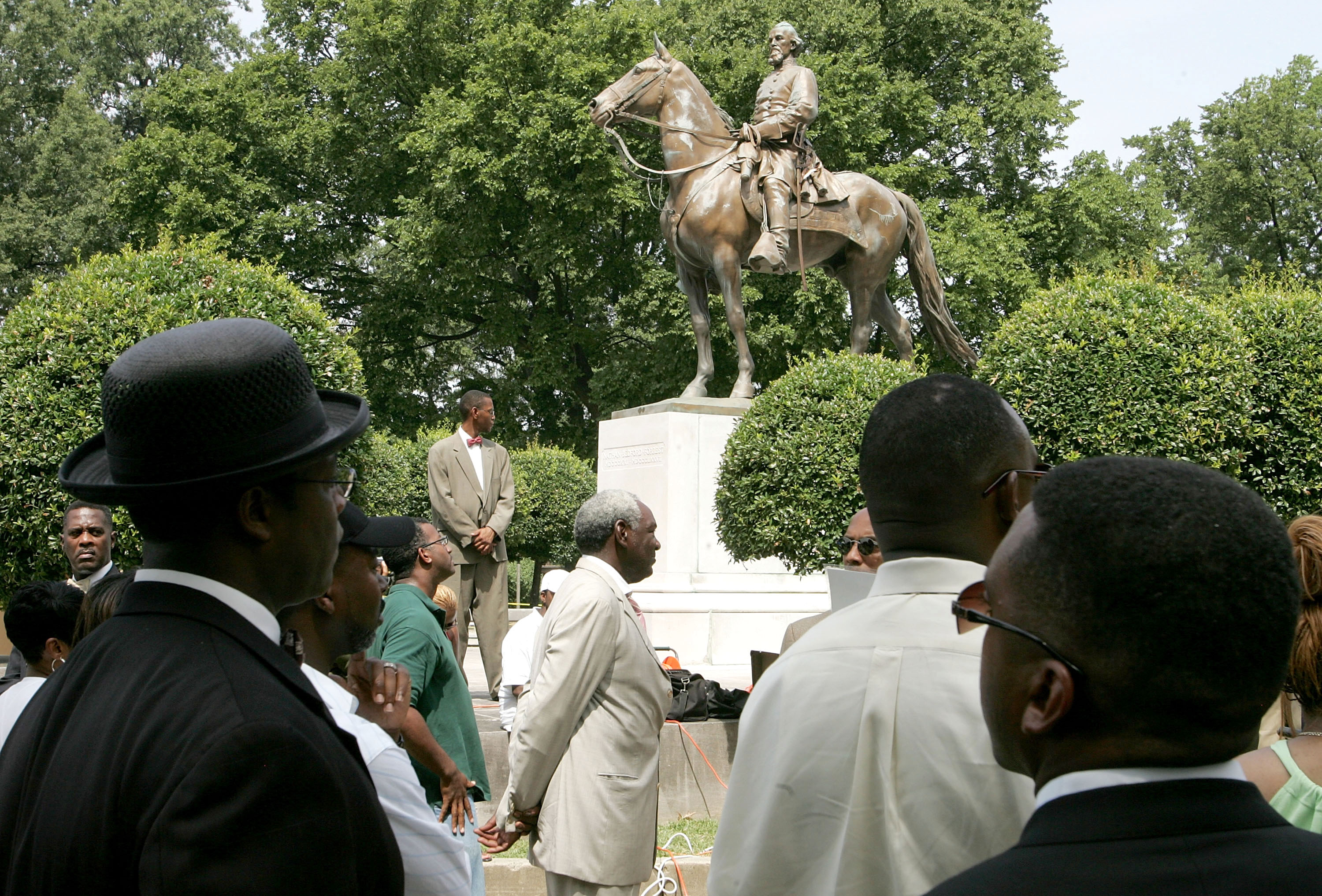 Lawmakers (mostly white) tried to save Confederate statues. A city (mostly black) found a loophole.