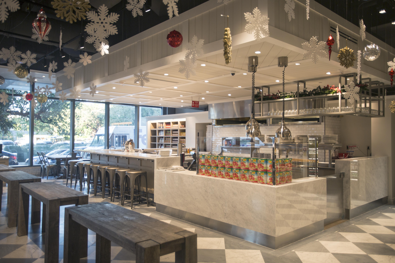 Eat At 10 Diffe Dining Stations The New Casa Tua Cucina Saks Brickell City Centre
