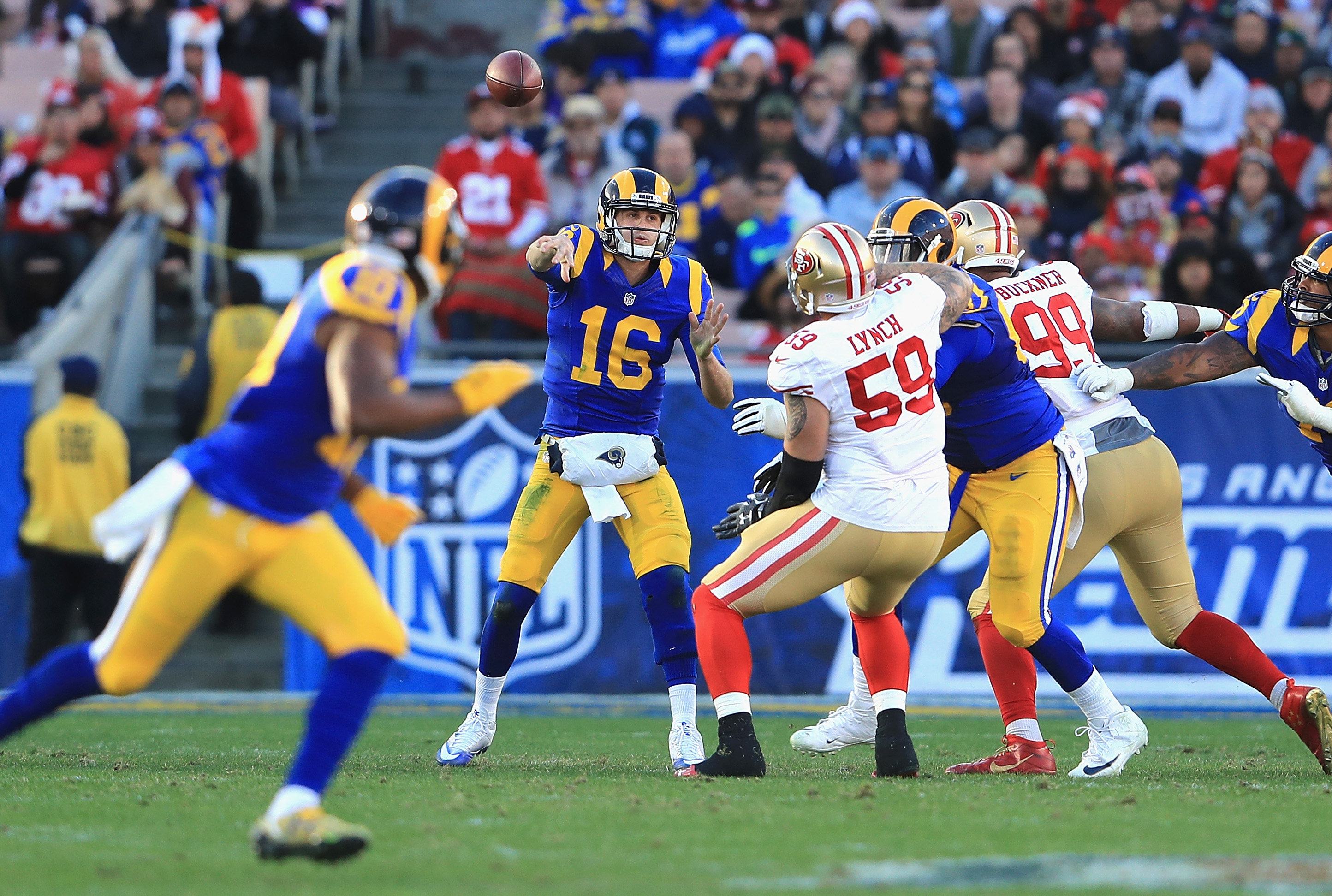 Los Angeles Rams QB Jared Goff throws a pass to WR Pharoh Cooper against the San Francisco 49ers