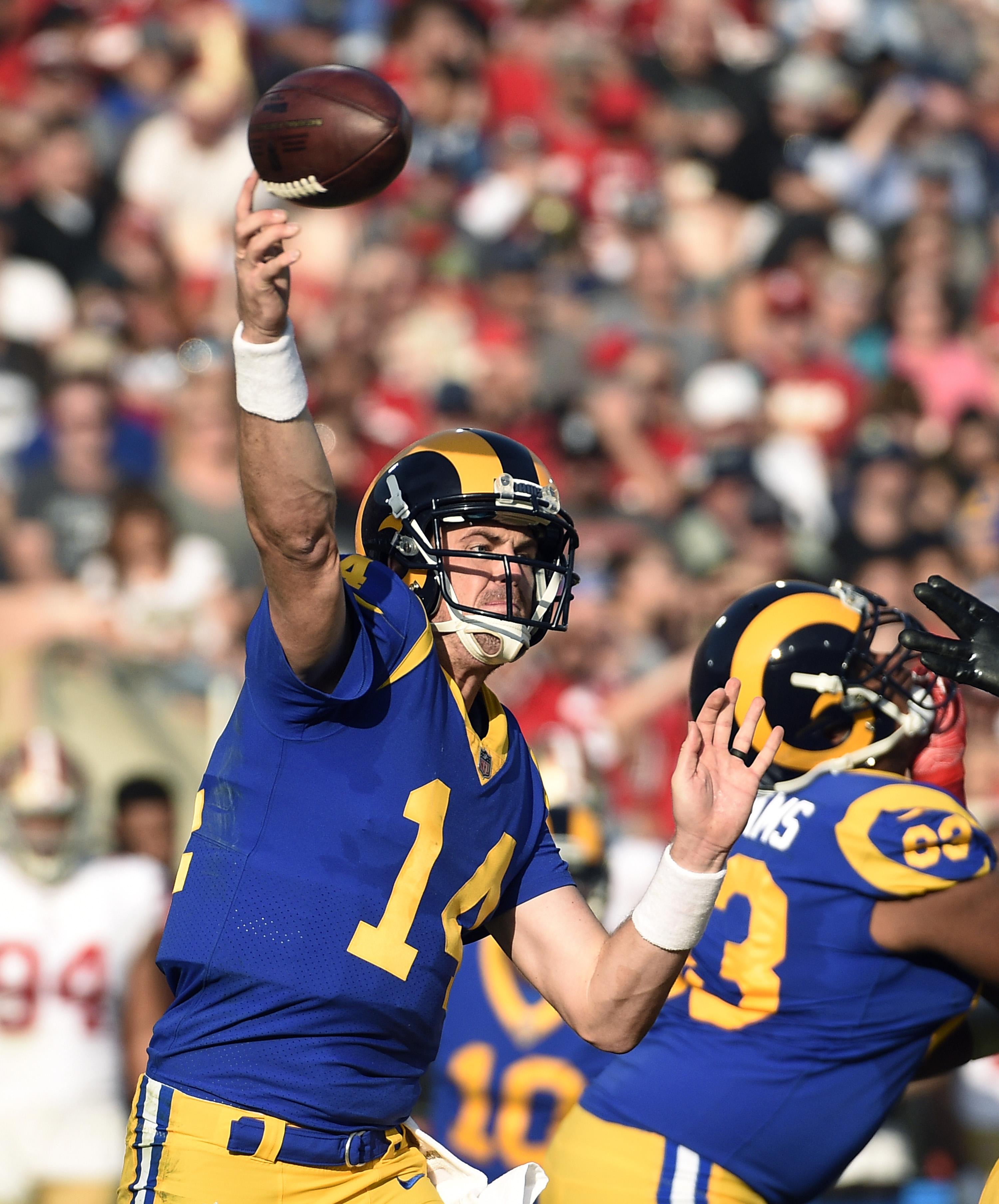 Los Angeles Rams QB Sean Mannion throws a pass against the San Francisco 49ers in Week 17