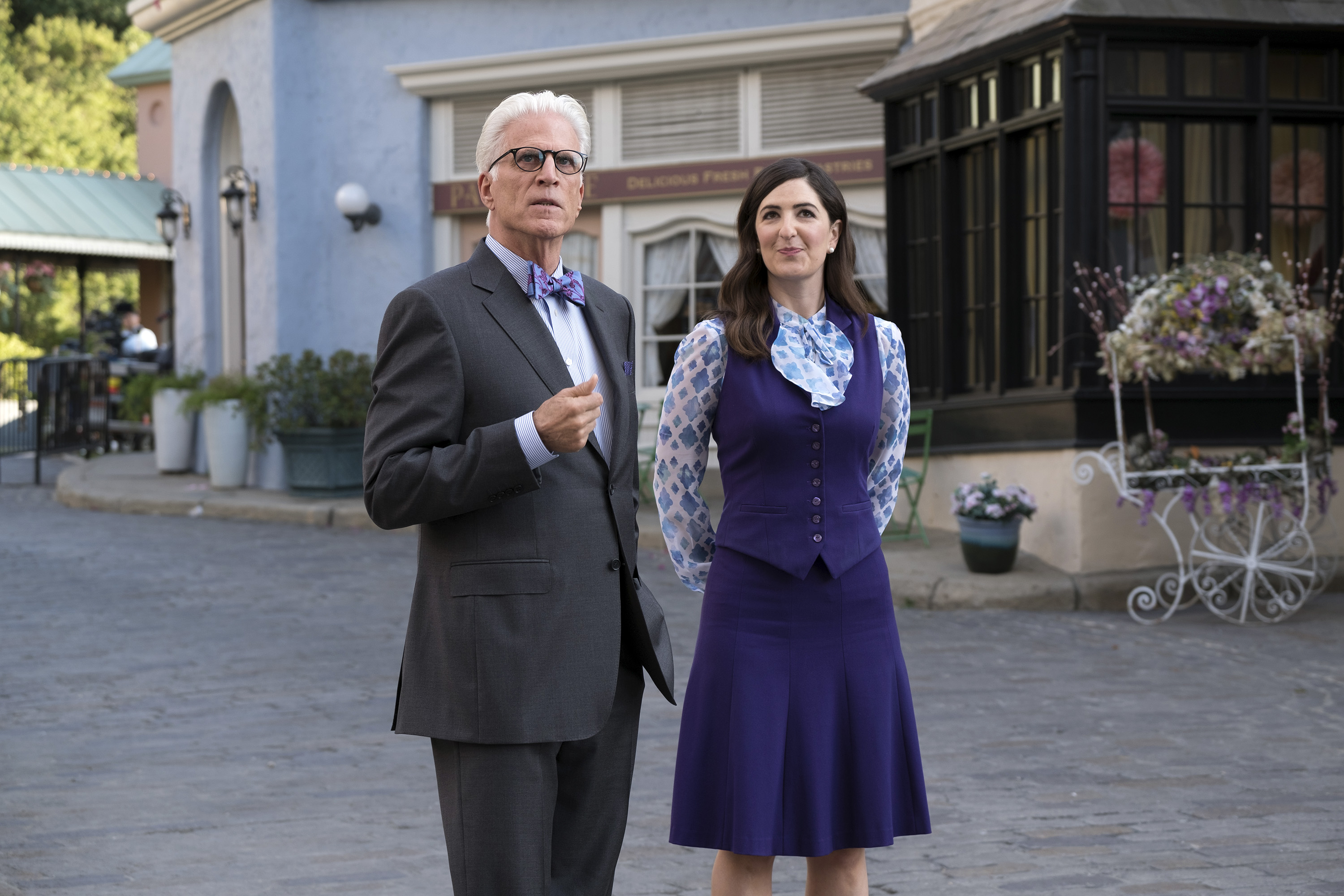 Ted Danson as Michael and D'Arcy Carden as Janet in season 2 of The Good Place.