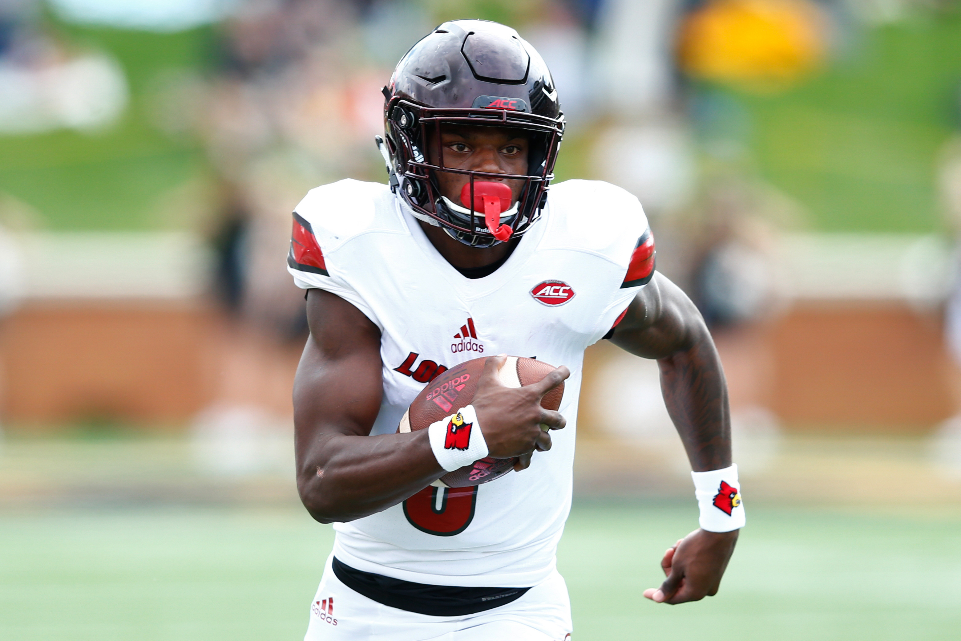 Lamar Jackson, college football's most electric player, declares for the NFL draft