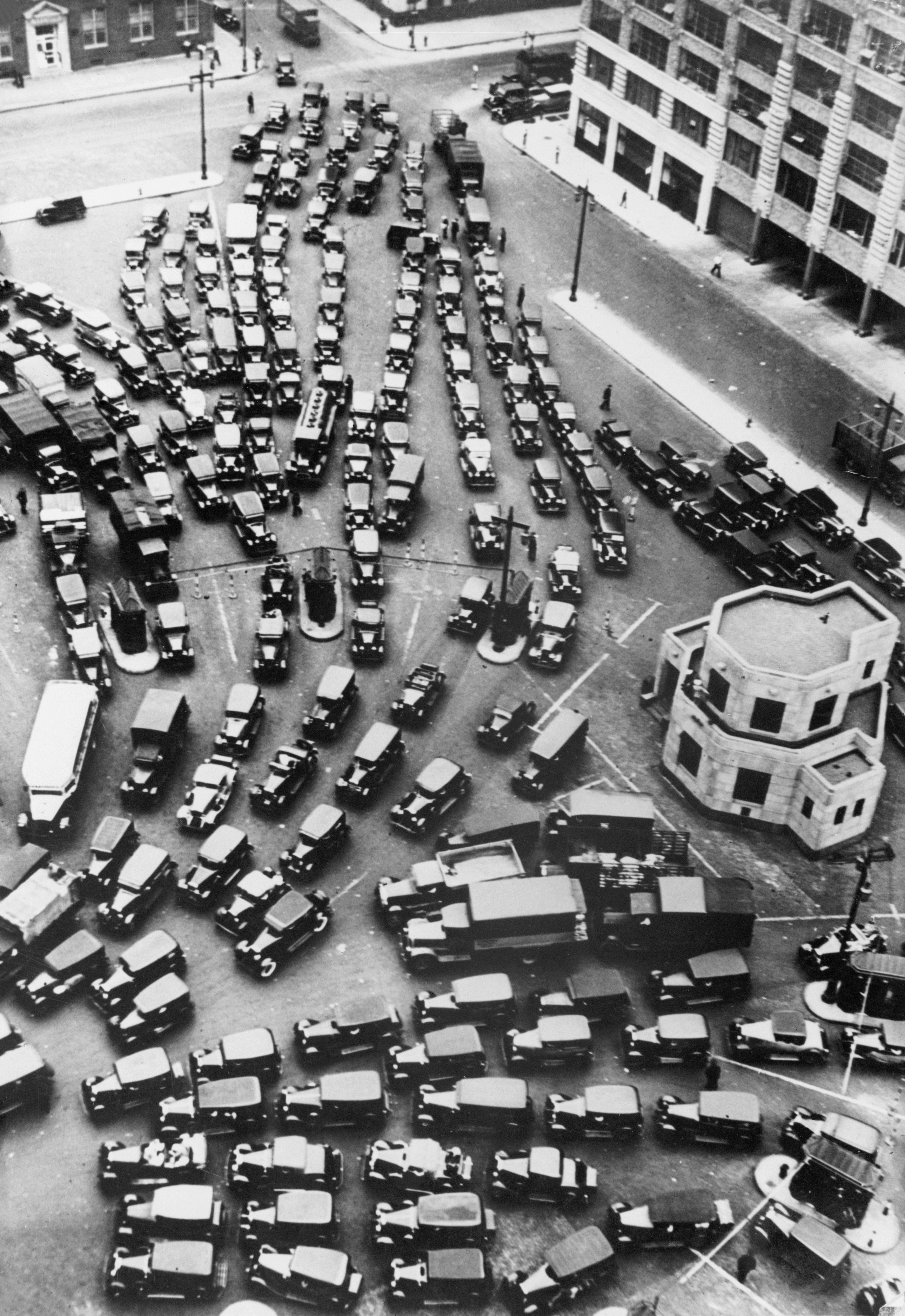 Traffic congestion at the mouth of New York's Holland Tunnel
