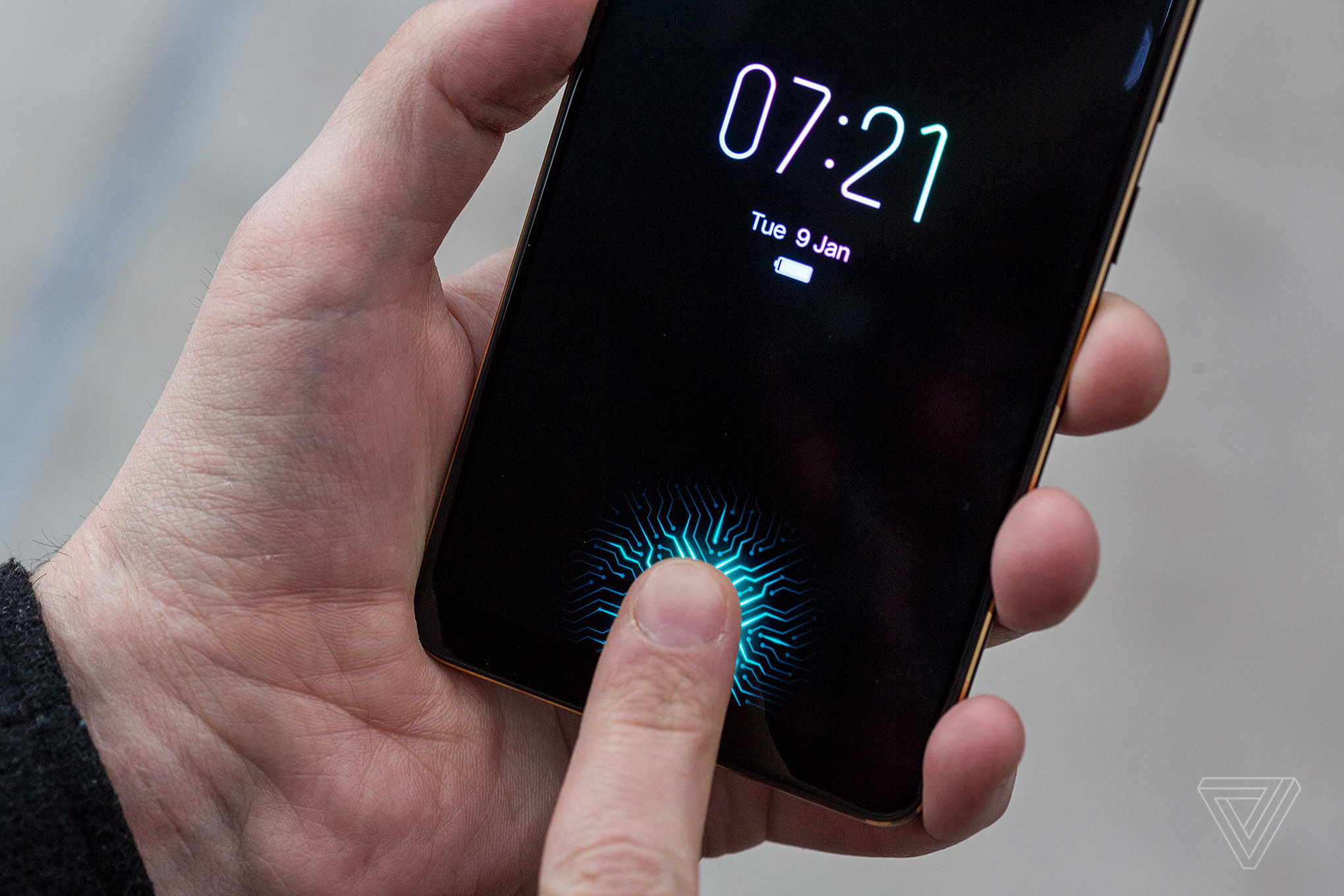 I tried the first phone with an in-display fingerprint sensor - The