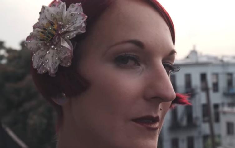 Close-up on burlesque dancer Gin Minsky