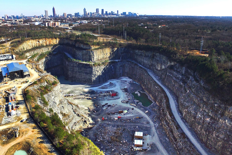 An aerial photo of Atlanta's Bellwood Quarry.