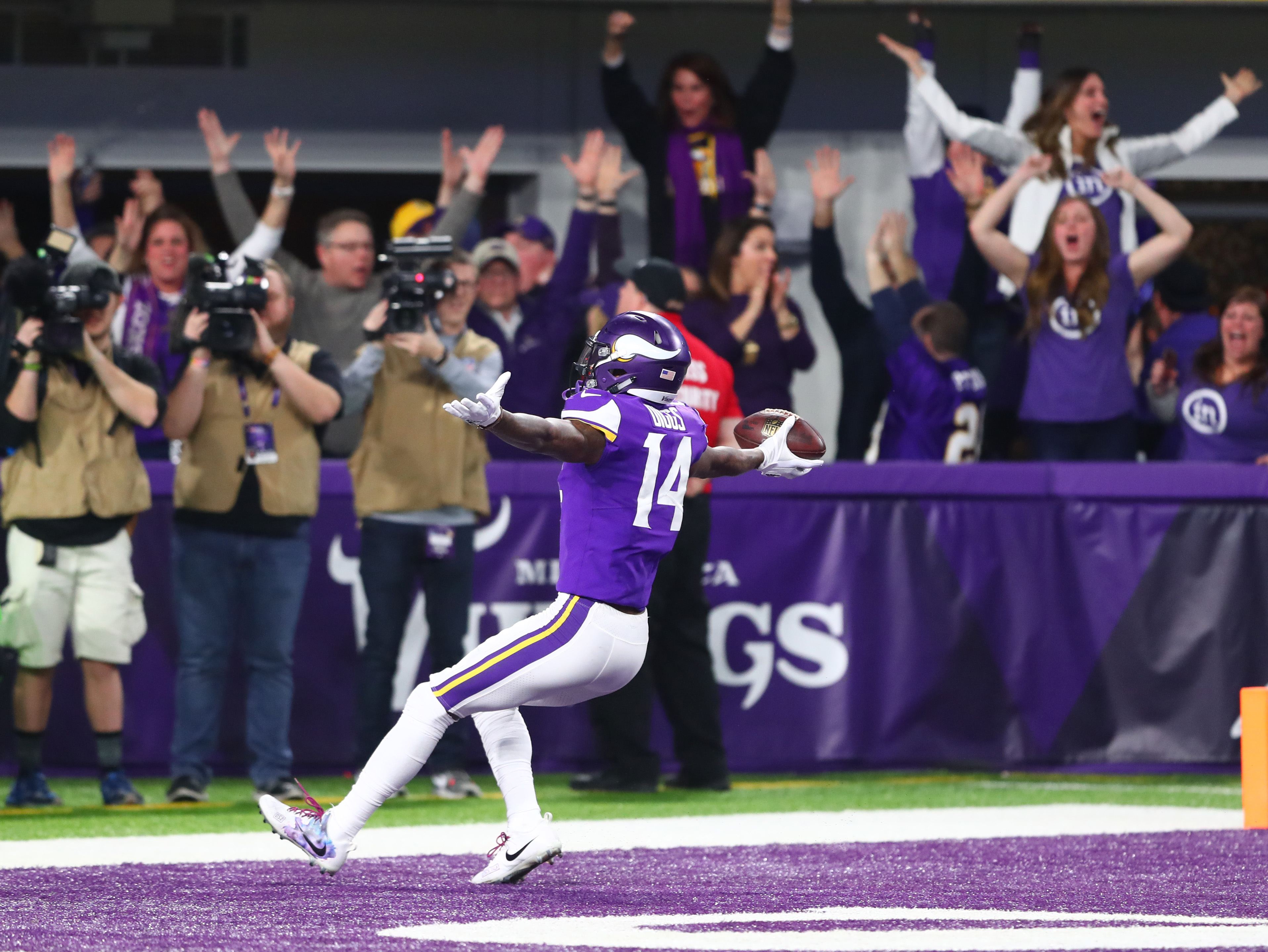 NFL: NFC Divisional Playoff-New Orleans Saints at Minnesota Vikings