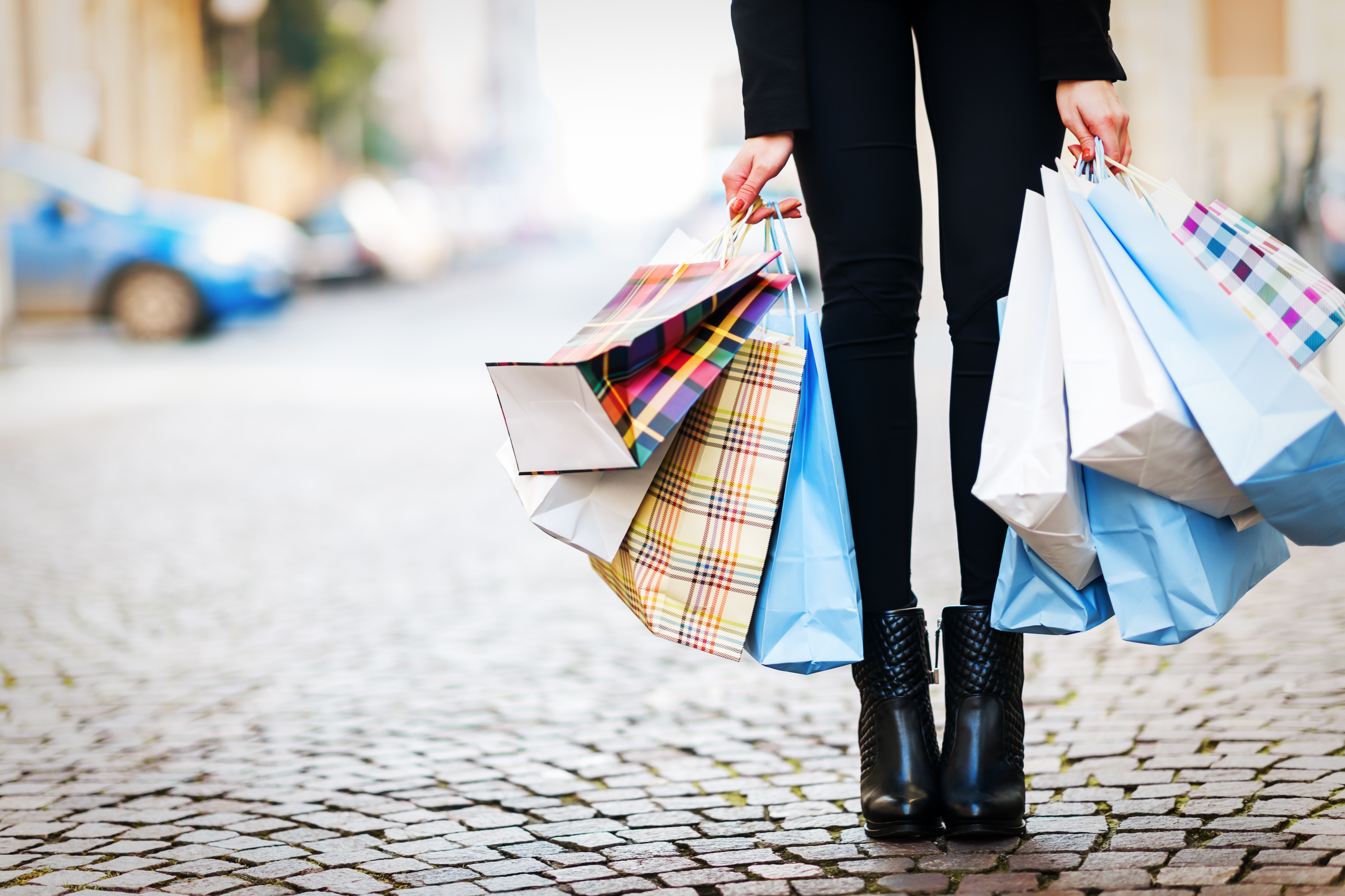 dear stock photographers have you ever seen a shopping bag racked