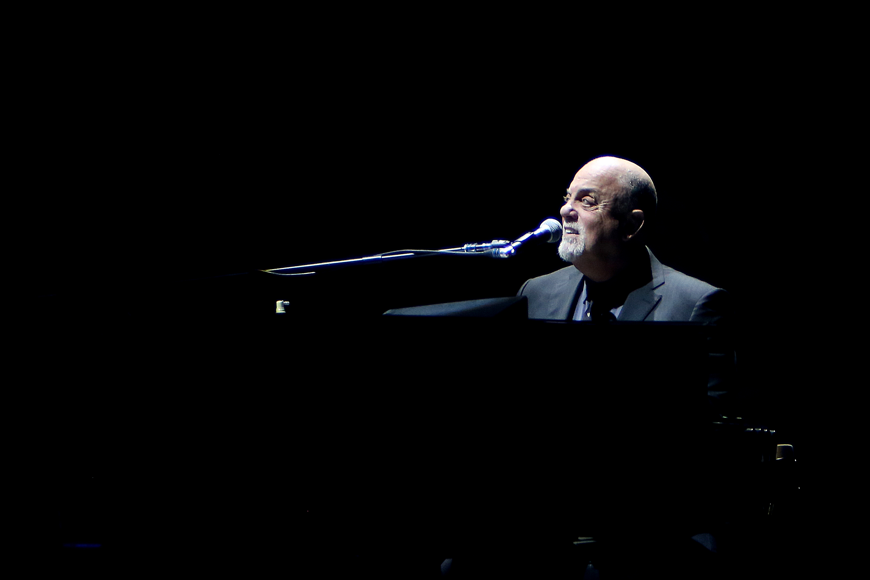 Enjoy this H.P. Lovecraft poem sung to the tune of Billy Joel's 'Piano Man'