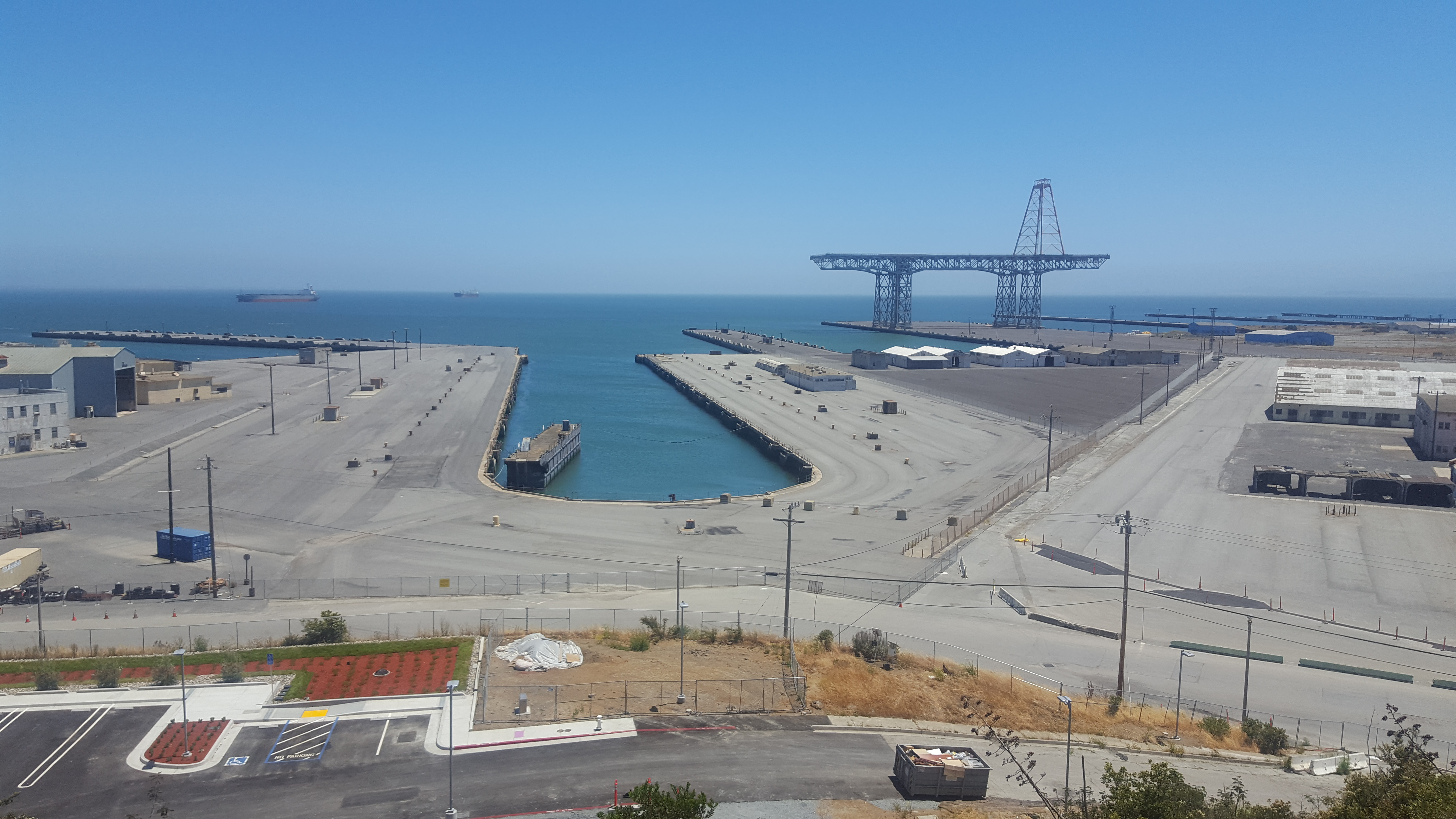 Home to what was at one time the largest gantry crane in the world and the largest drydock in the United States, the city and a major developer want to build thousands of units of housing at the polluted former naval shipyard at Hunters Point. Visible fro