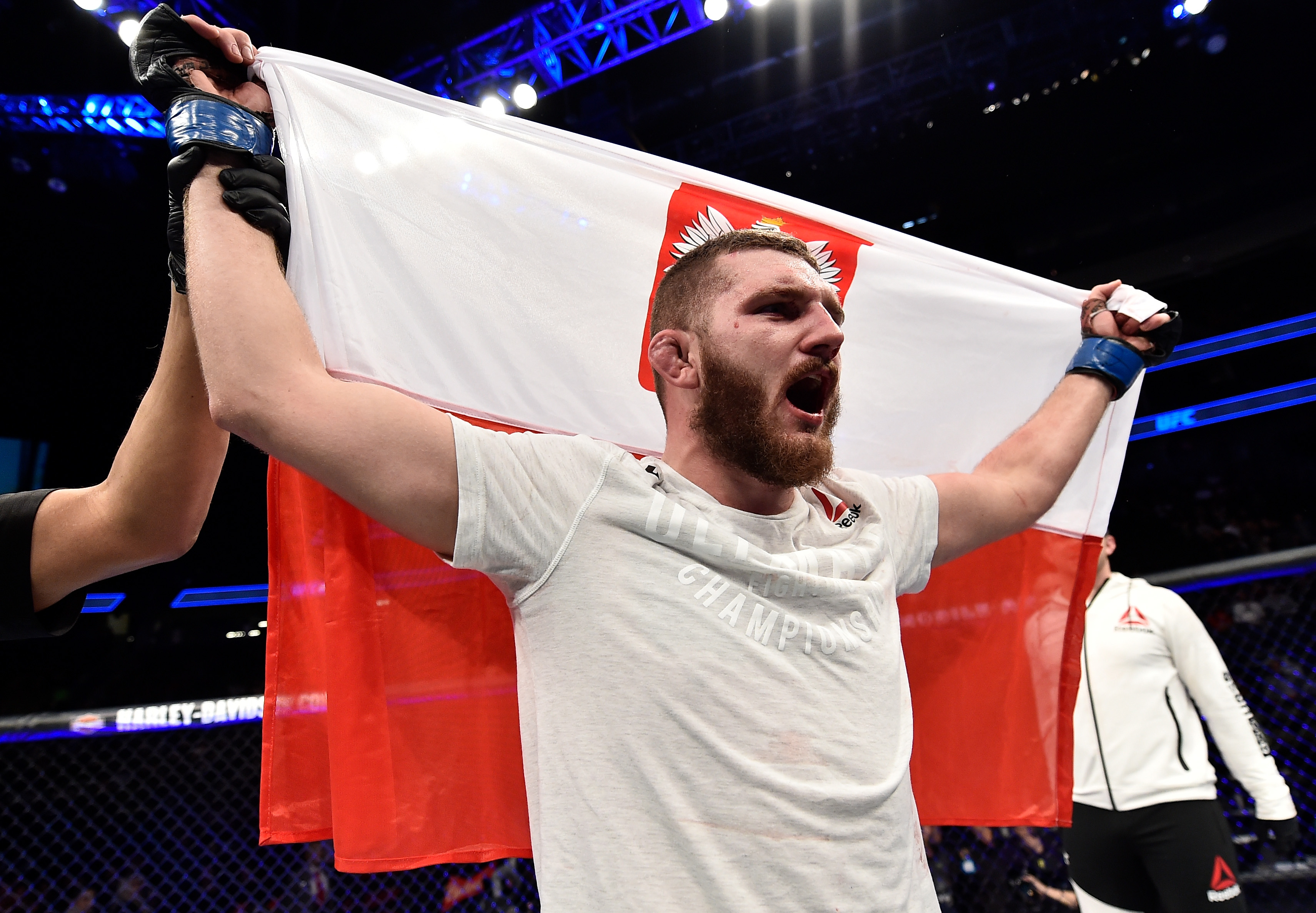 UFC 219: Rountree Jr. v Oleksiejczuk