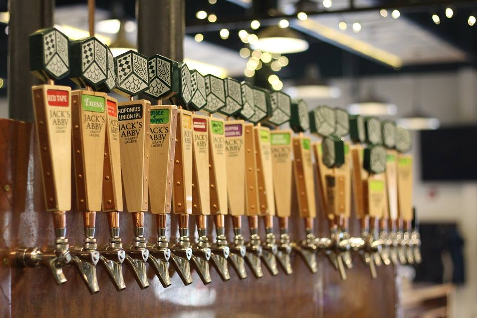 Six Trends That Will Dominate Boston Beer in 2018