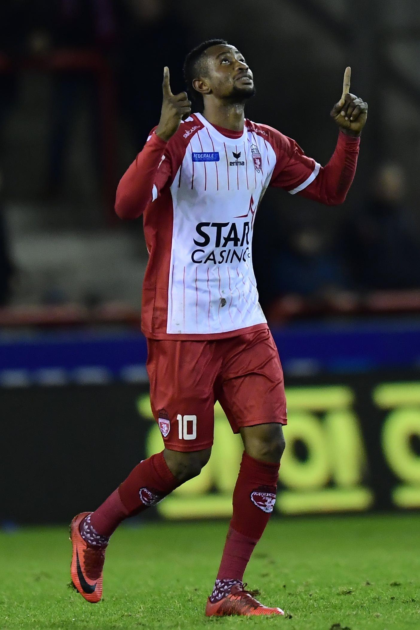 Royal Excel Mouscron v SV Zulte Waregem : Jupiler Pro League