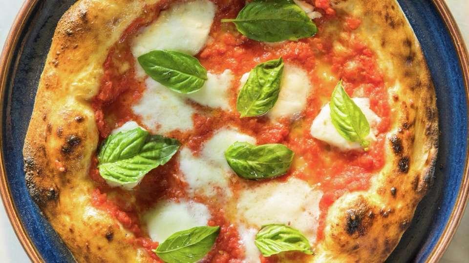 Margherita pizza at Osteria Costa