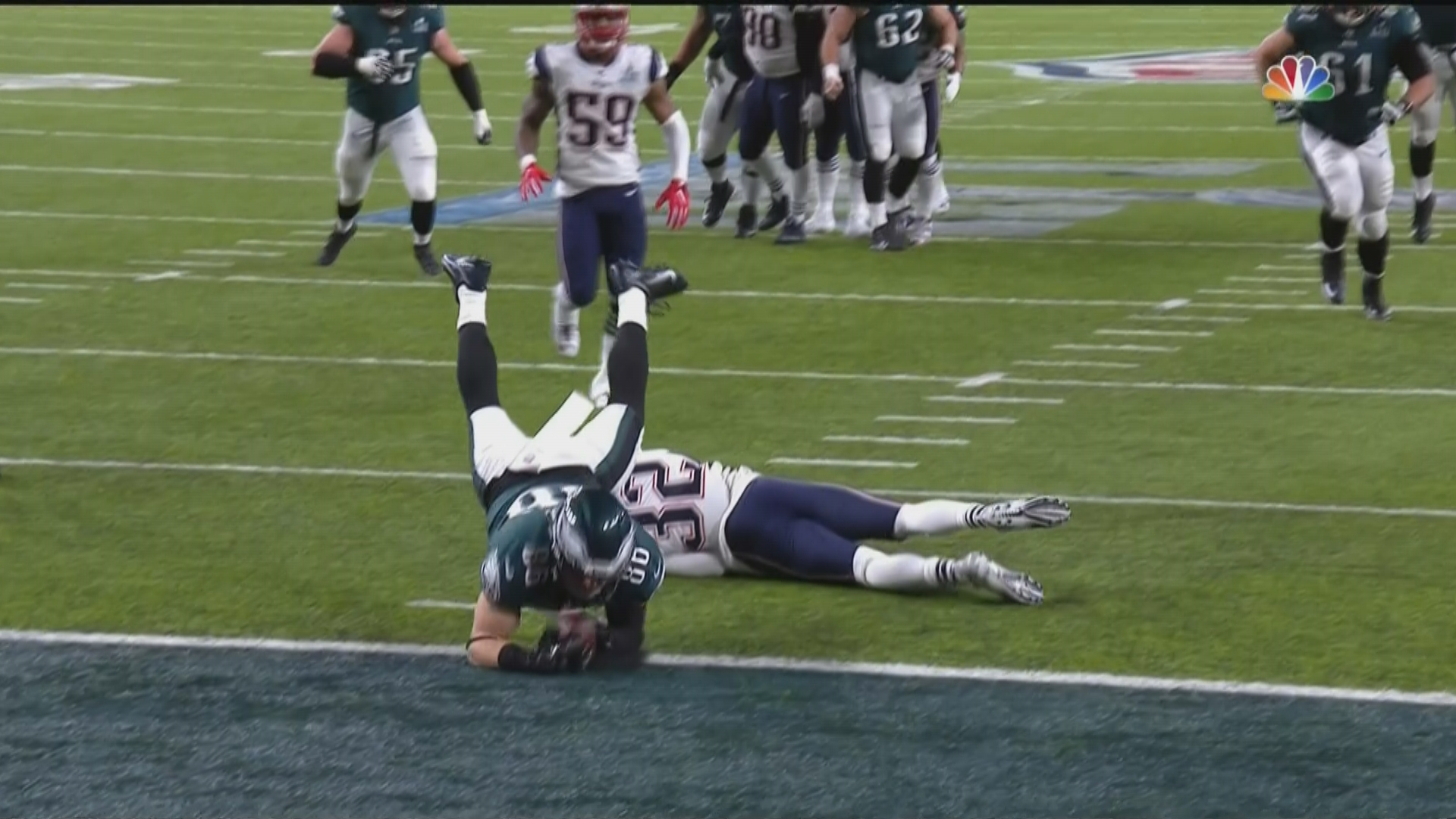 Why Zach Ertz' key TD catch against the Patriots' stood, but Jesse James' didn't