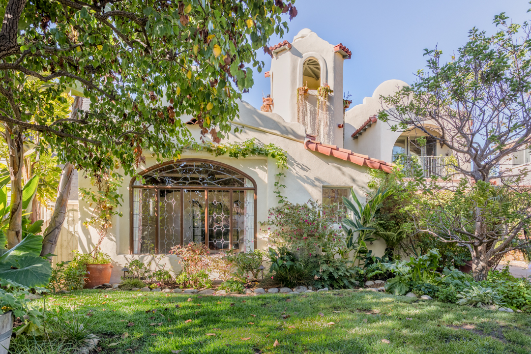 Alyson Hannigan And Alexis Denisof List Dreamy Santa Monica Spanish Style