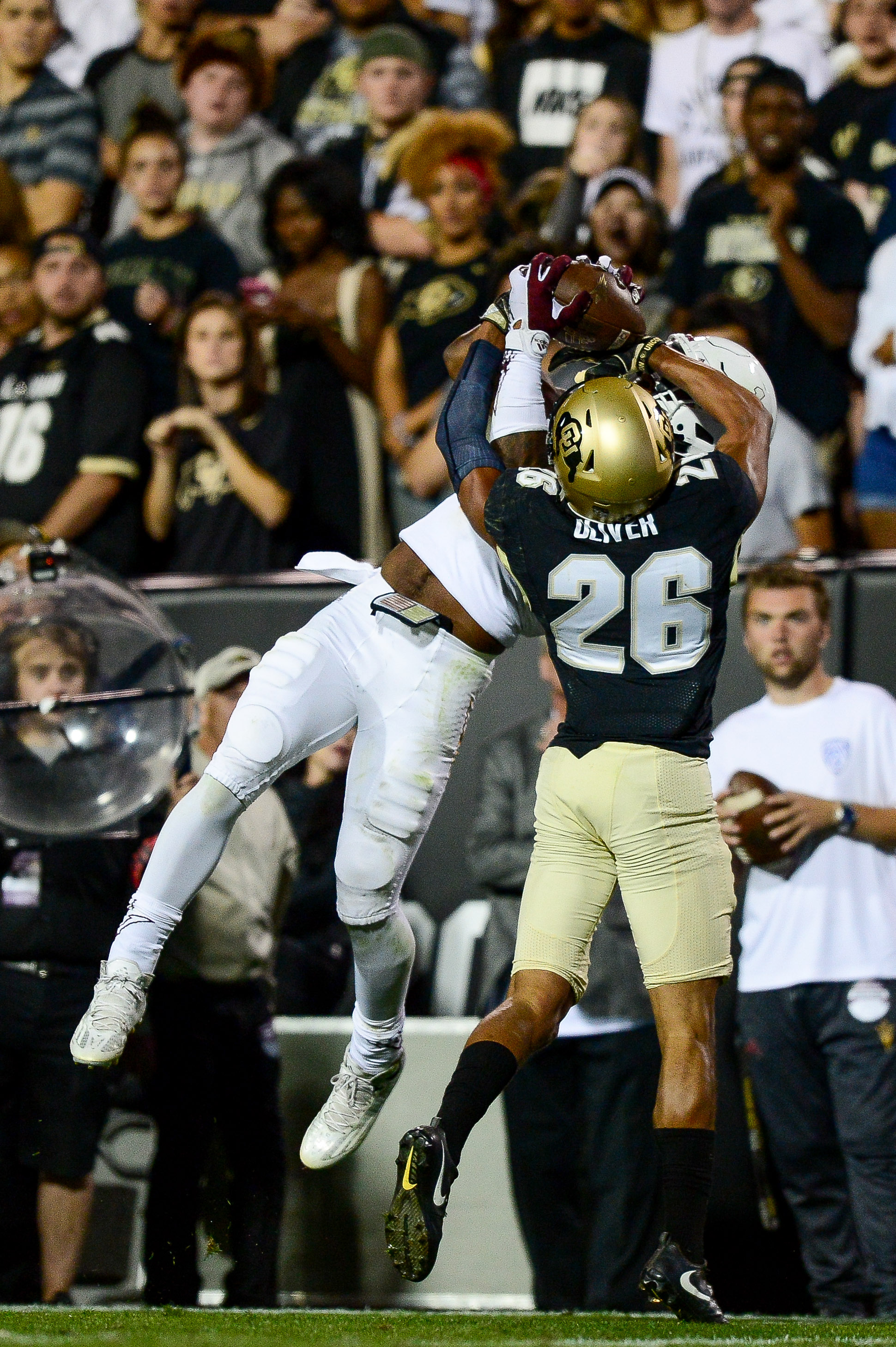 Colorado CB Isaiah Oliver defends a pass against Arizona St. WR N'Keal Harry
