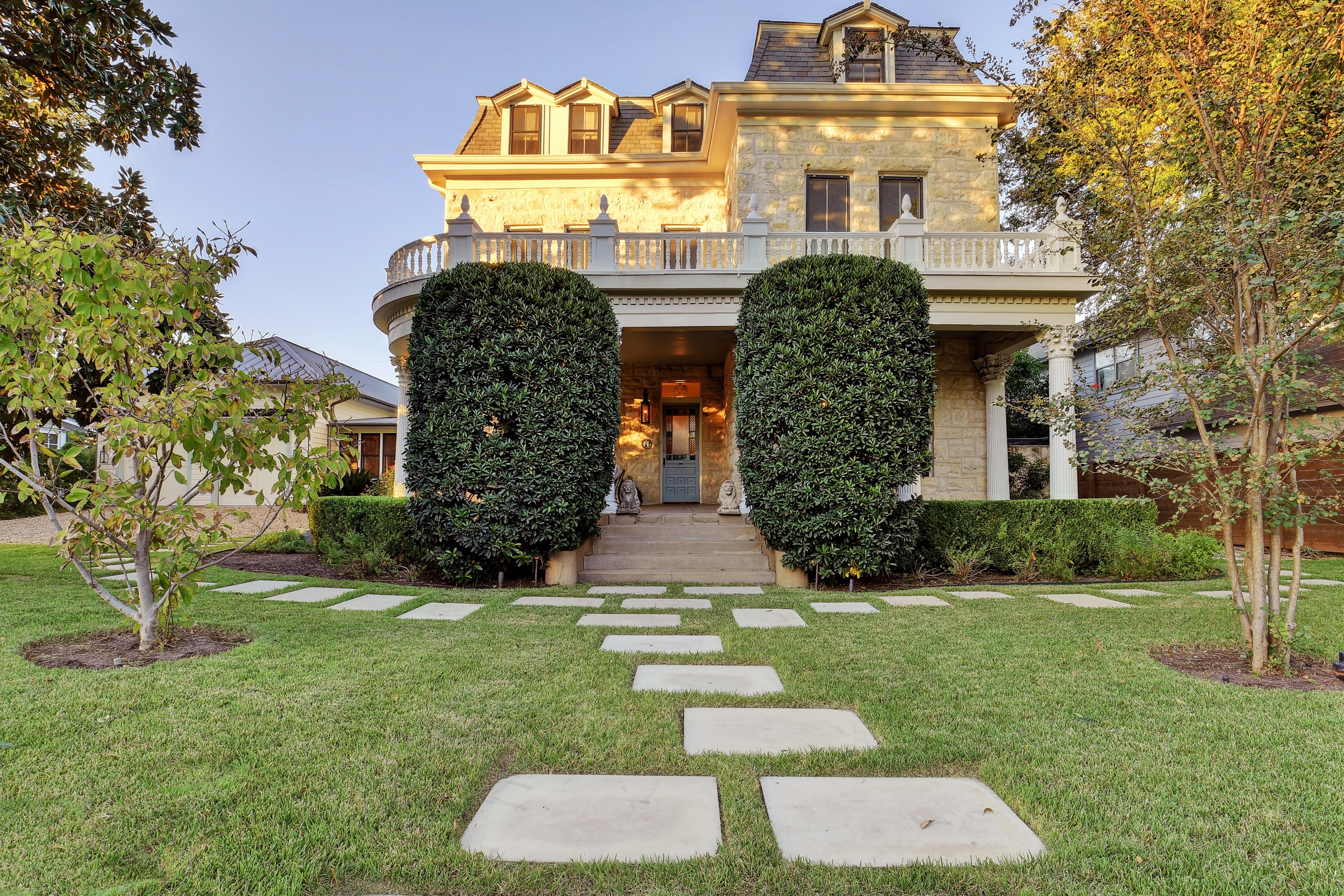 Photo of grand two-story home built in 1898