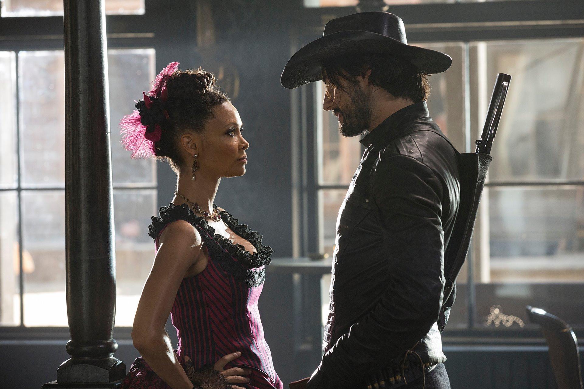 Thandie Newton as Maeve Millay andRodrigo Santoro as Hector Escaton in Westworld