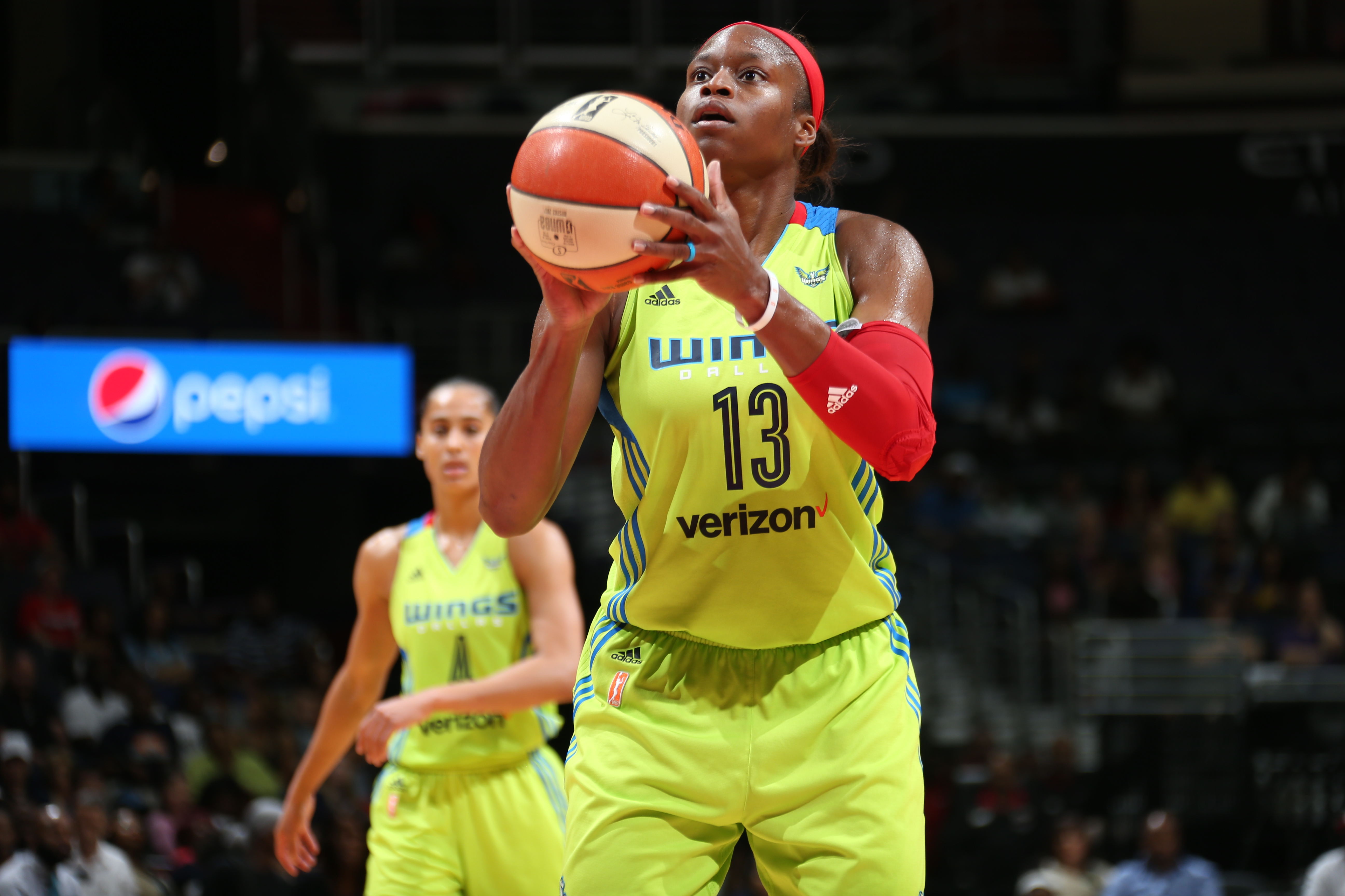 Defensive specialist,\' Christmas-Kelly returning to Dallas - Swish ...