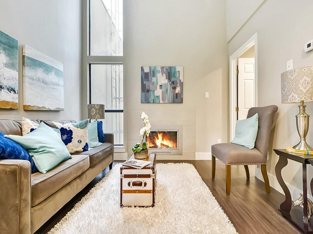 935 Condominiums