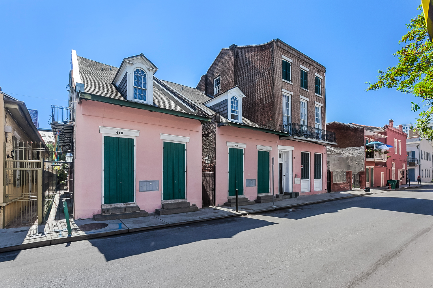 For sale in new orleans curbed new orleans sizable condo on burgundy street asks just under 400k sciox Image collections