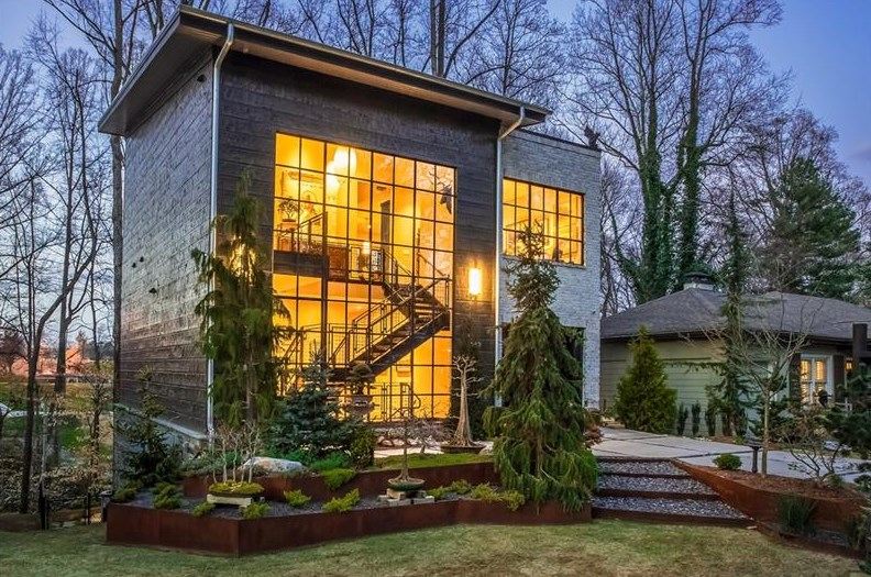 A modern home for sale in Atlanta's Collier Hills neighborhood, in photos.