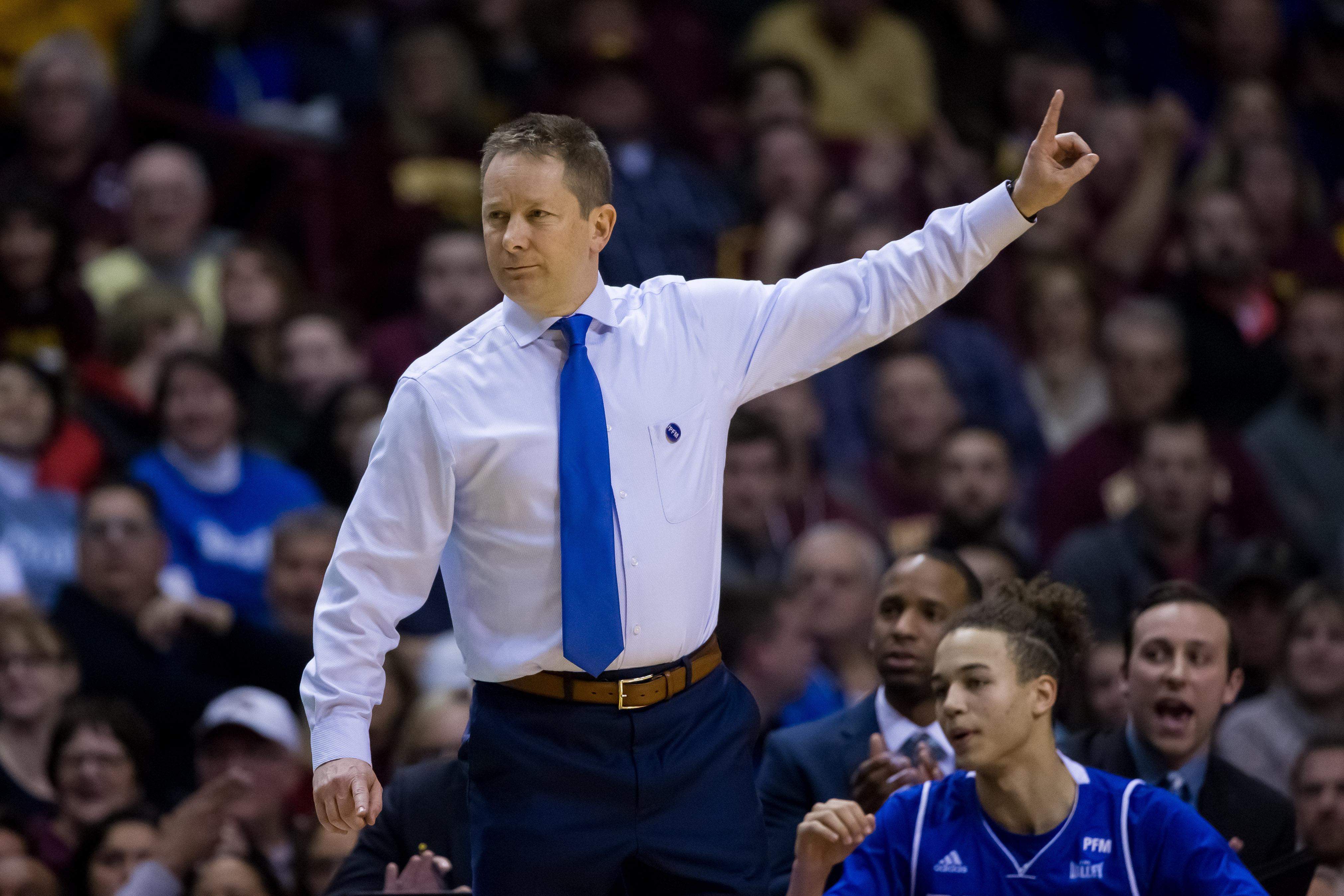 NCAA Basketball: Drake at Minnesota