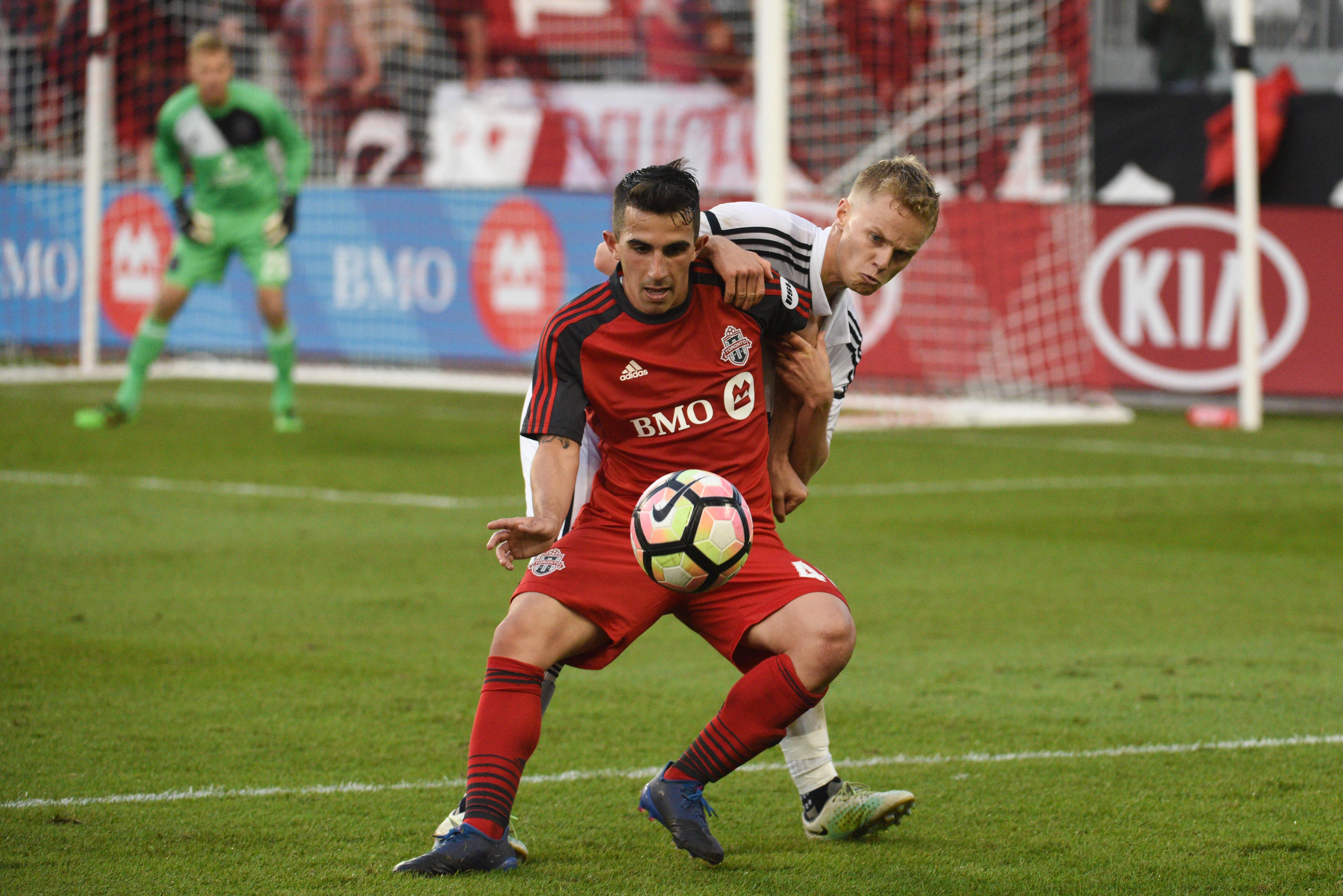 USL pic - TFCII's Uccello holds off Bethlehem Steel defender