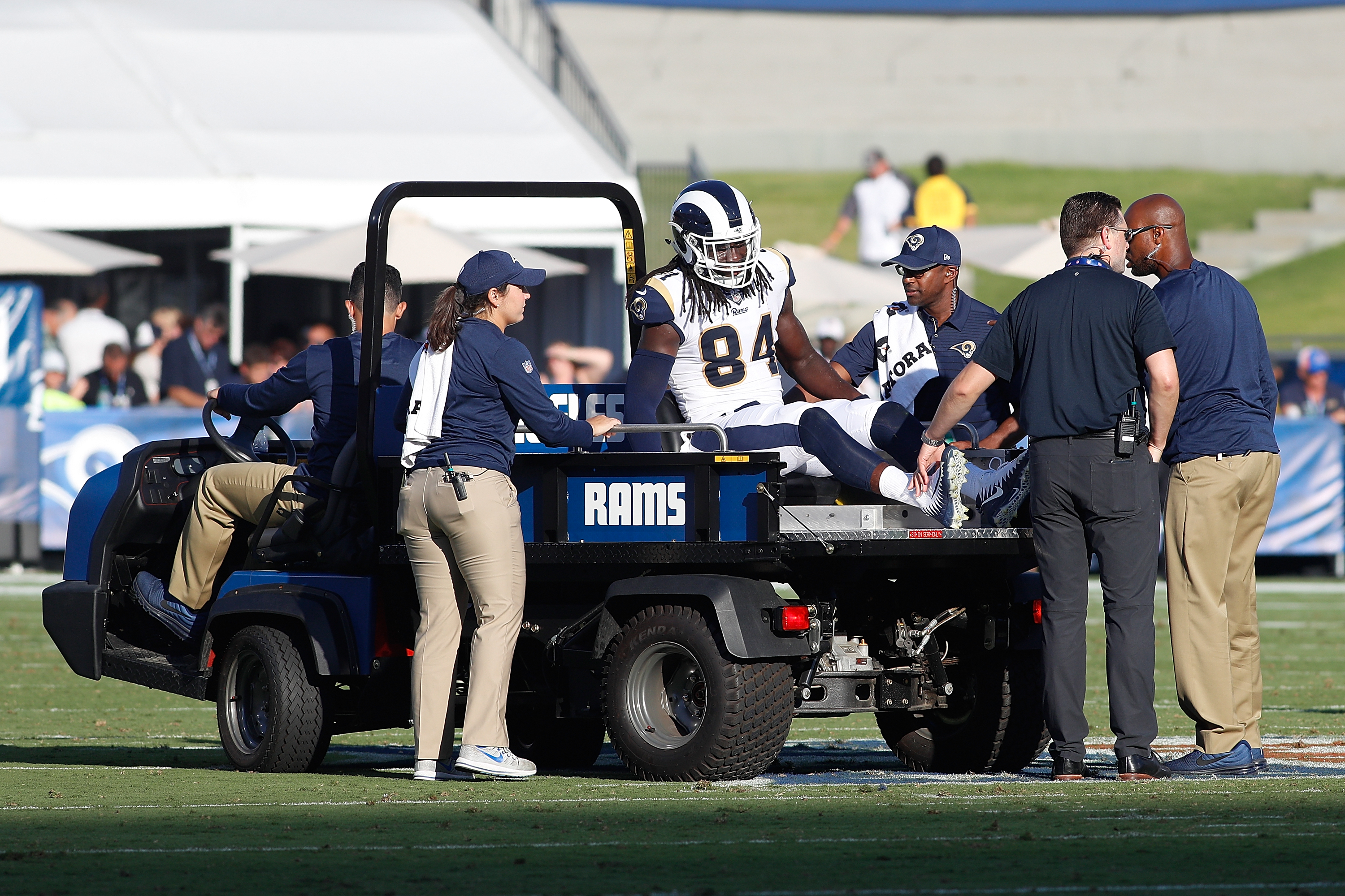 Los Angeles Rams TE Temarrick Hemingway leaves the game with an injury during the preseason game between the Rams and Los Angeles Chargers