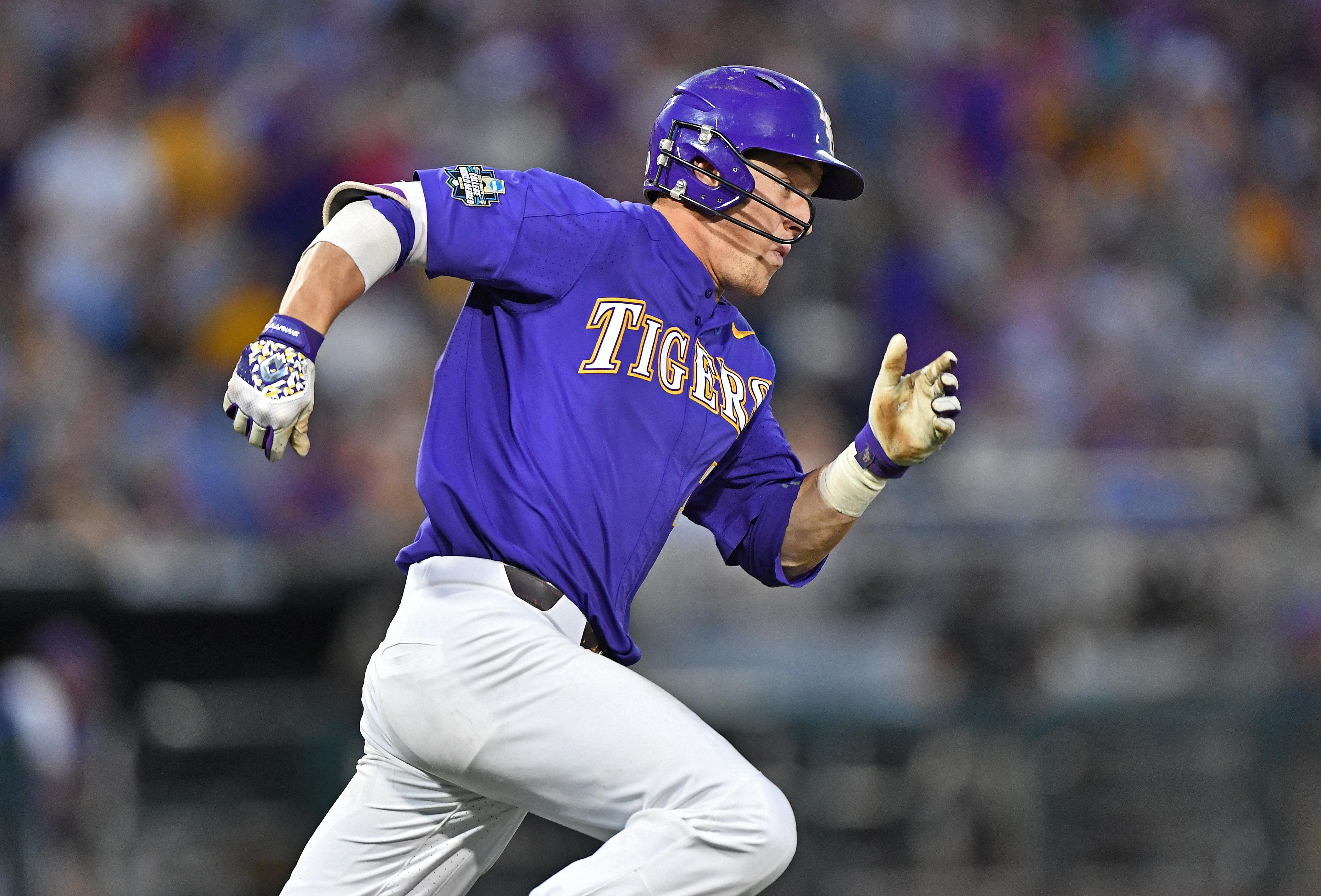 2017 Division I Men's College World Series - LSU v Florida - Game 1