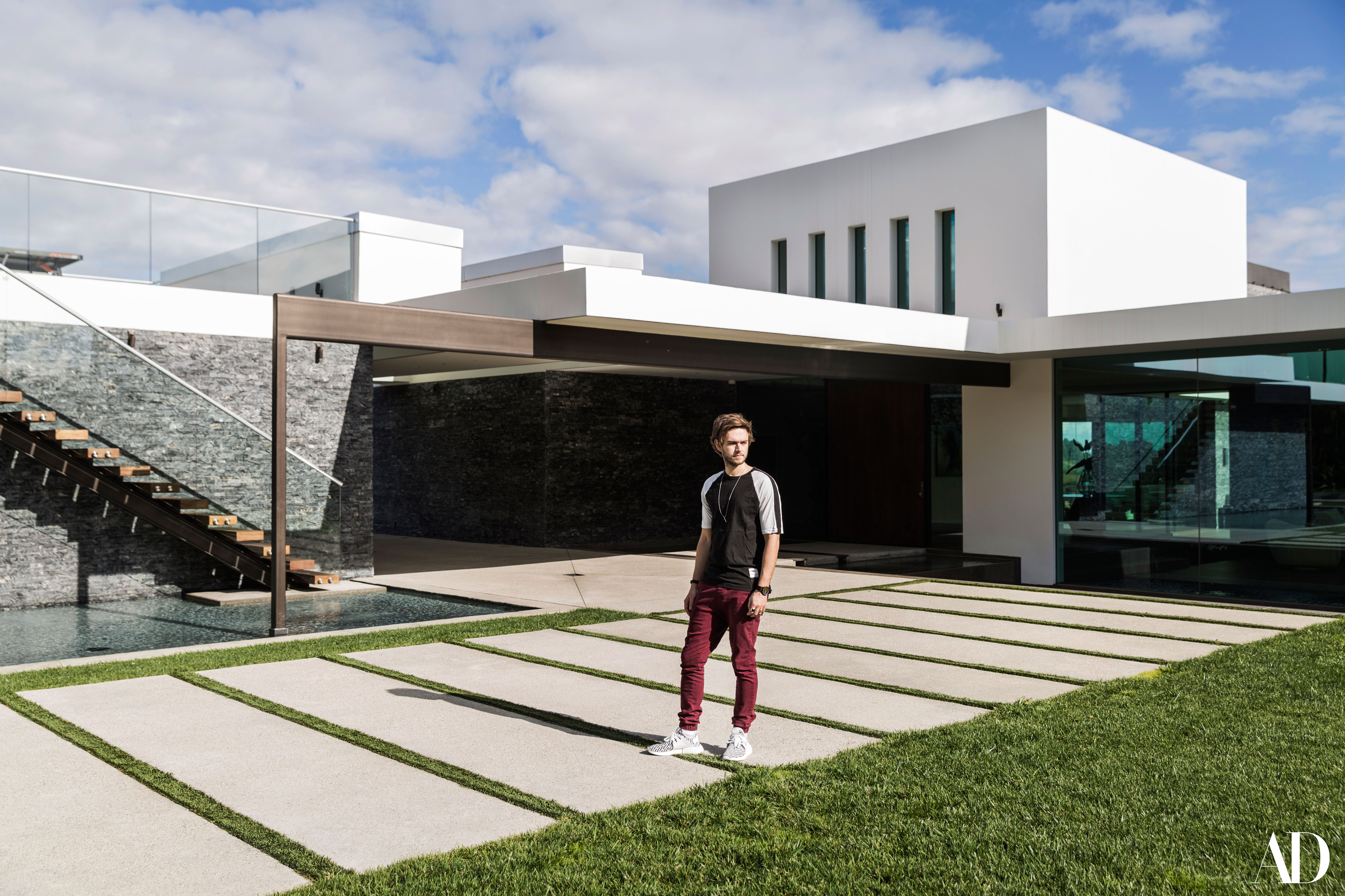 Take A K Inside Zedd S Sleek Benedict Canyon Mansion