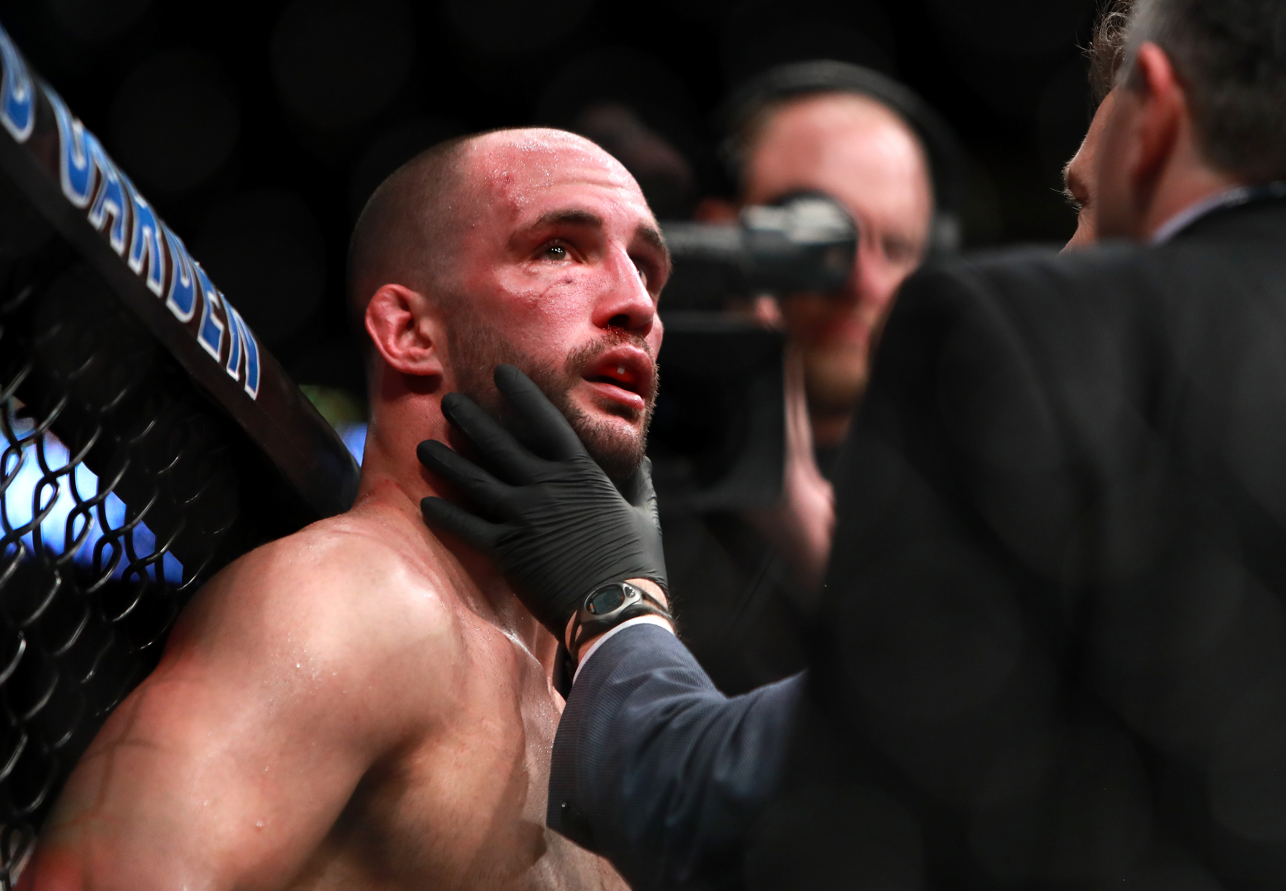 UFC 220: Cormier v Oezdemir